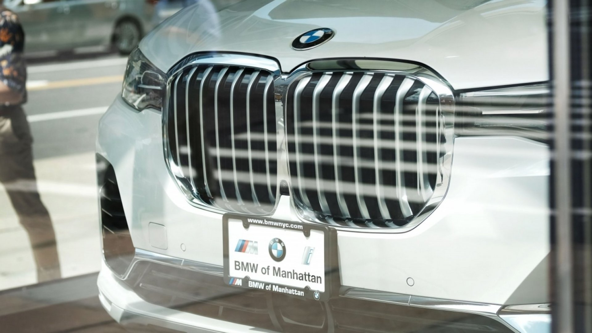 Oh, that grille.