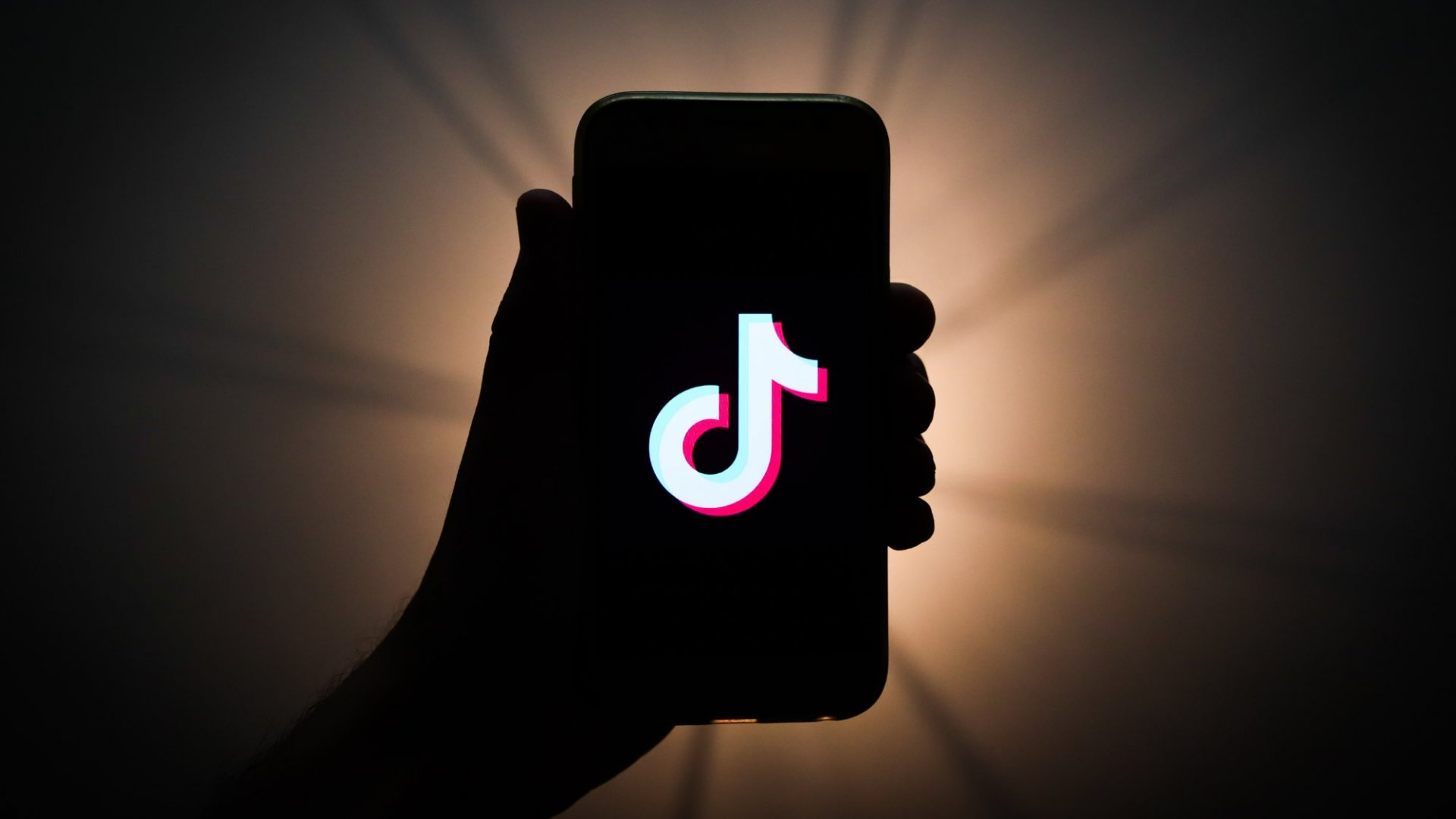 Microsoft's Move to Acquire TikTok Looks Risky. Why It's Actually Brilliant