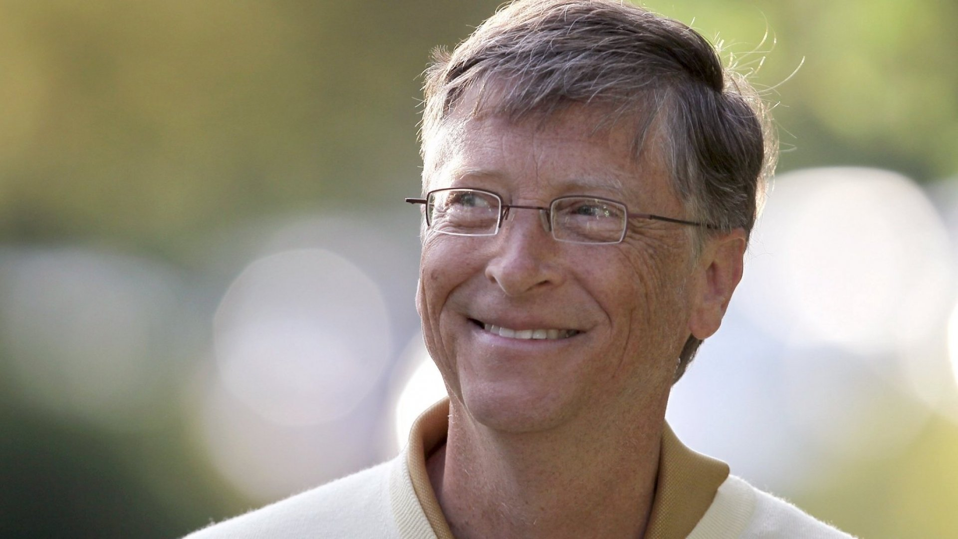 Bill Gates Just Revealed His Biggest Mistake Ever (And It Cost Microsoft a Stunning $400 Billion)