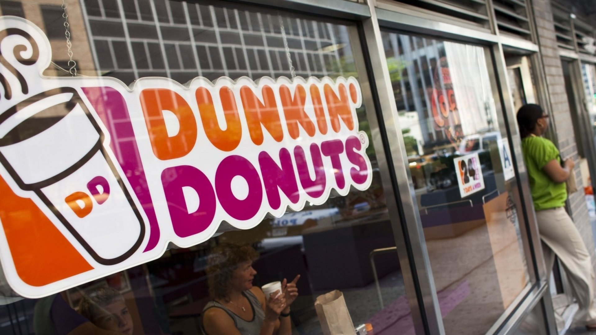 Experience Matters, Even When Selling Products. Just Ask Apple, Warby Parker, and Dunkin' Donuts