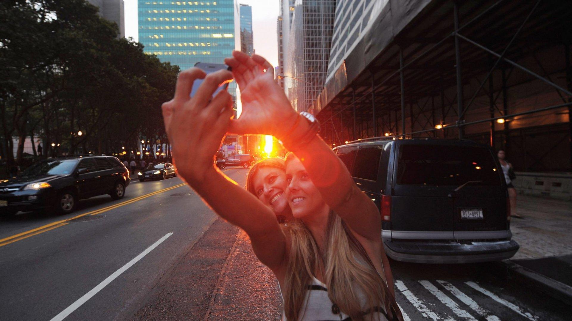 A selfie during Manhattanhenge