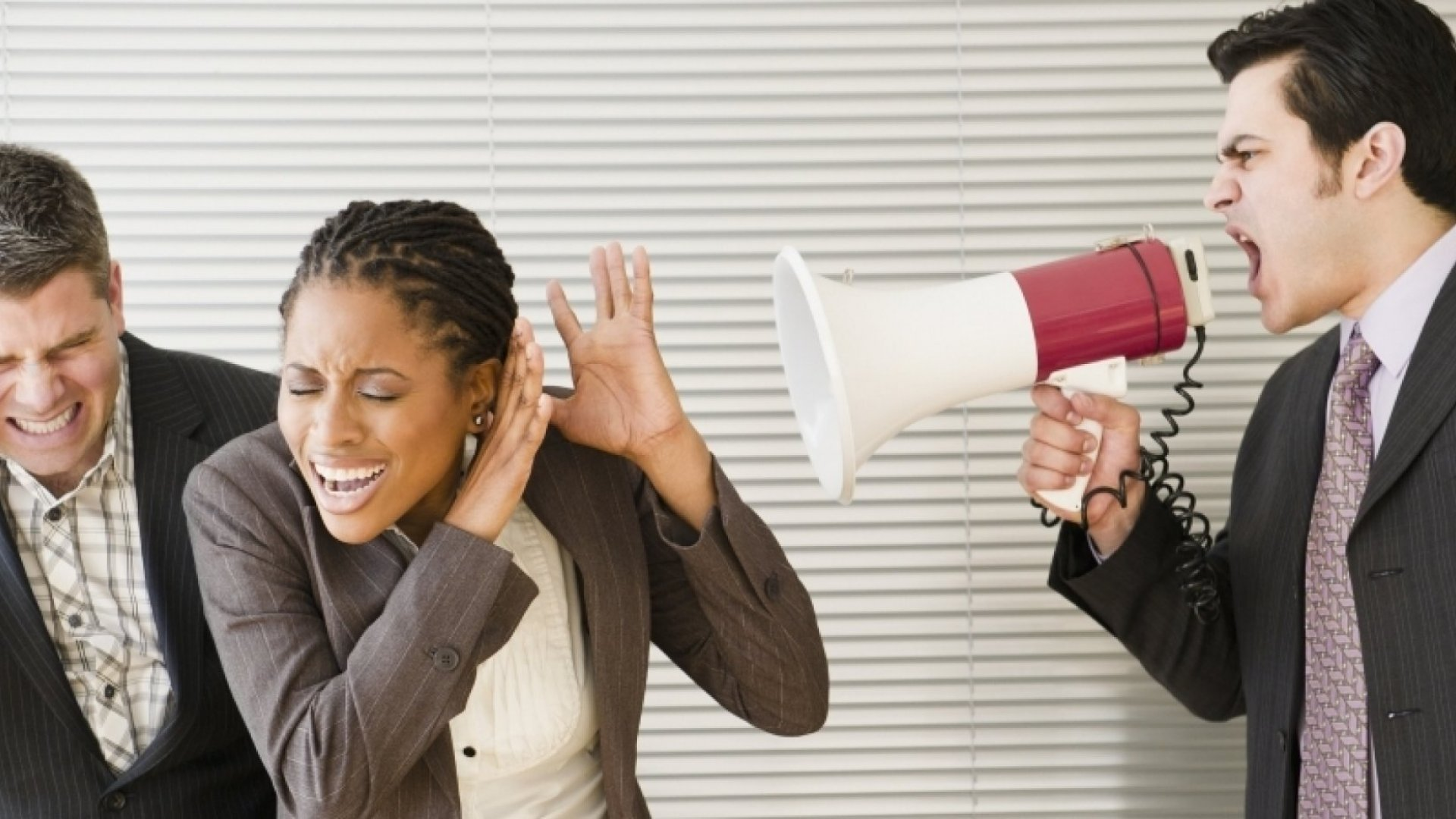 How to Disarm the Bully at Work in 9 Steps