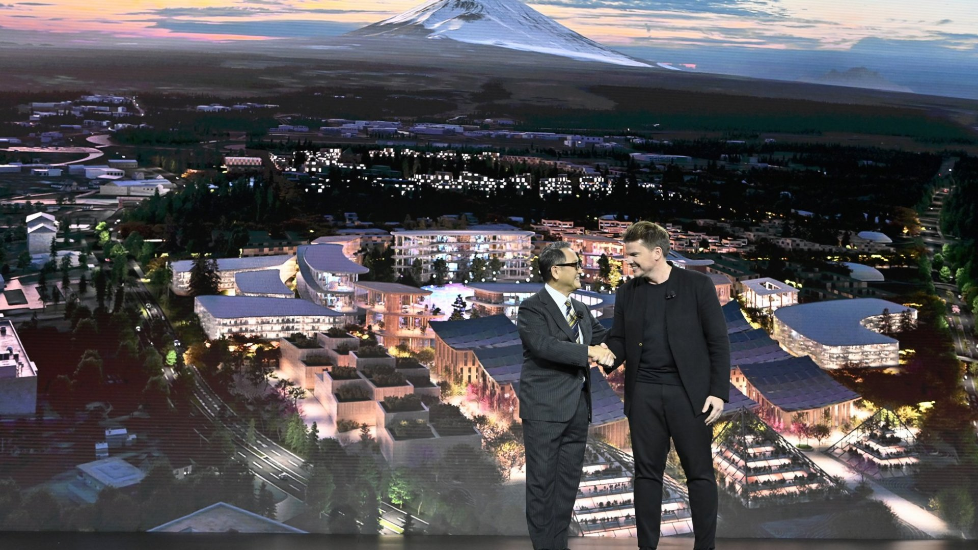 Akio Toyoda, president and CEO of Toyoda, and Danish architect Bjarke Ingels at CES 2020.
