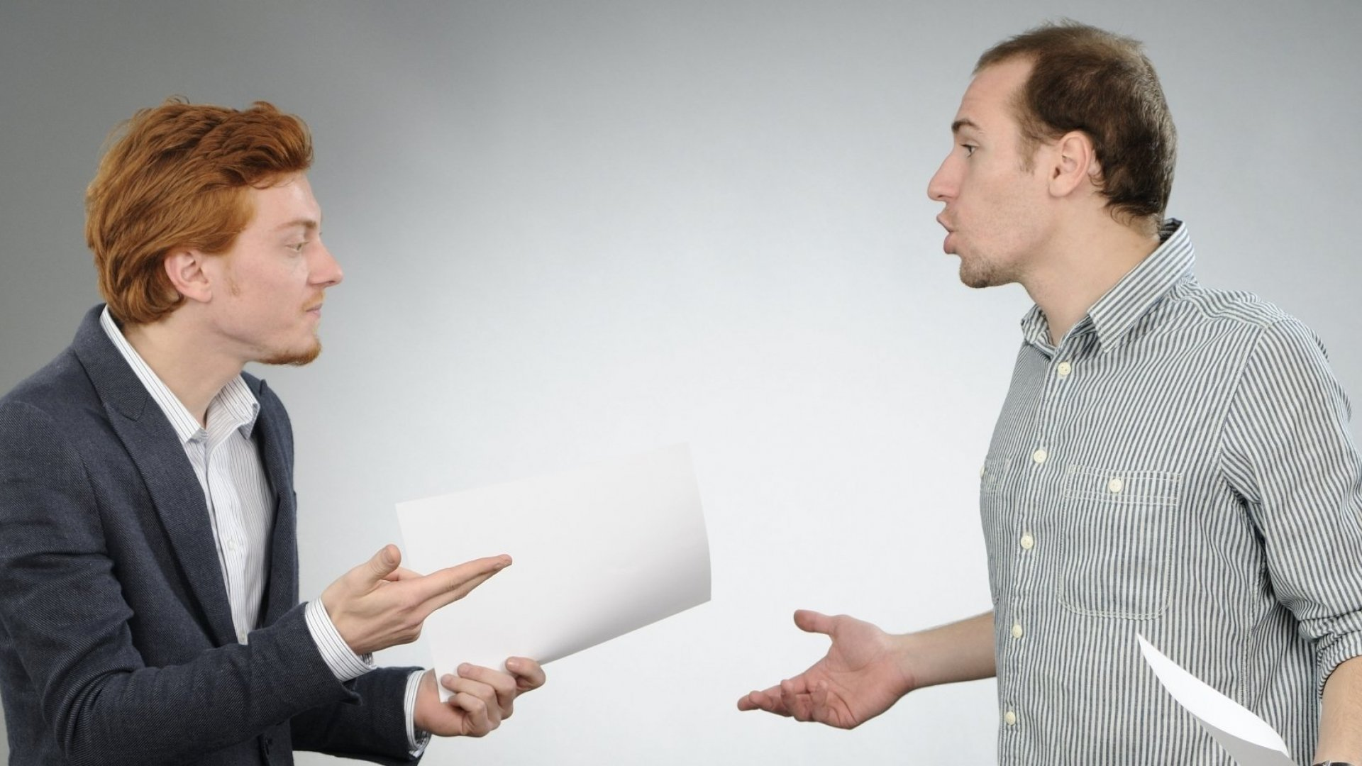 3 Body Language Mistakes That Can Make You Look Really Unprofessional