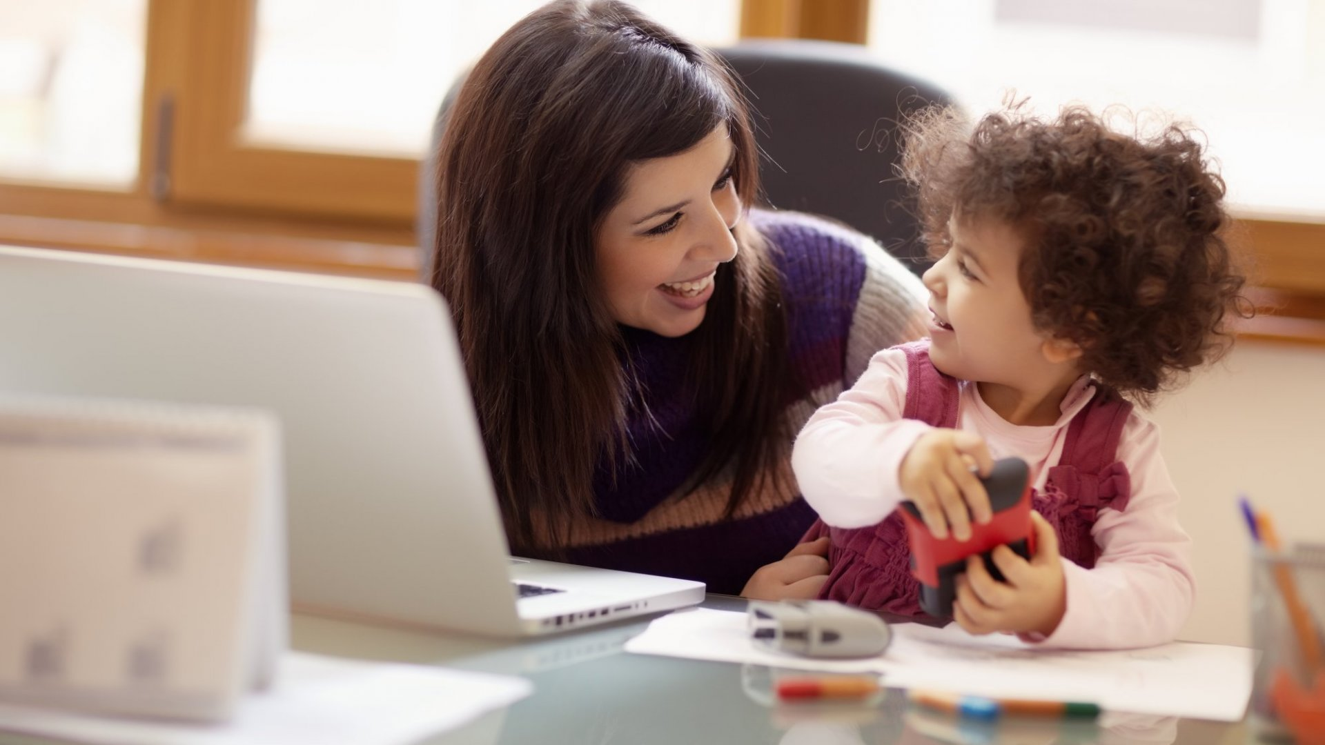3 Ways Working Moms Impact their Kids, According to Harvard Researchers