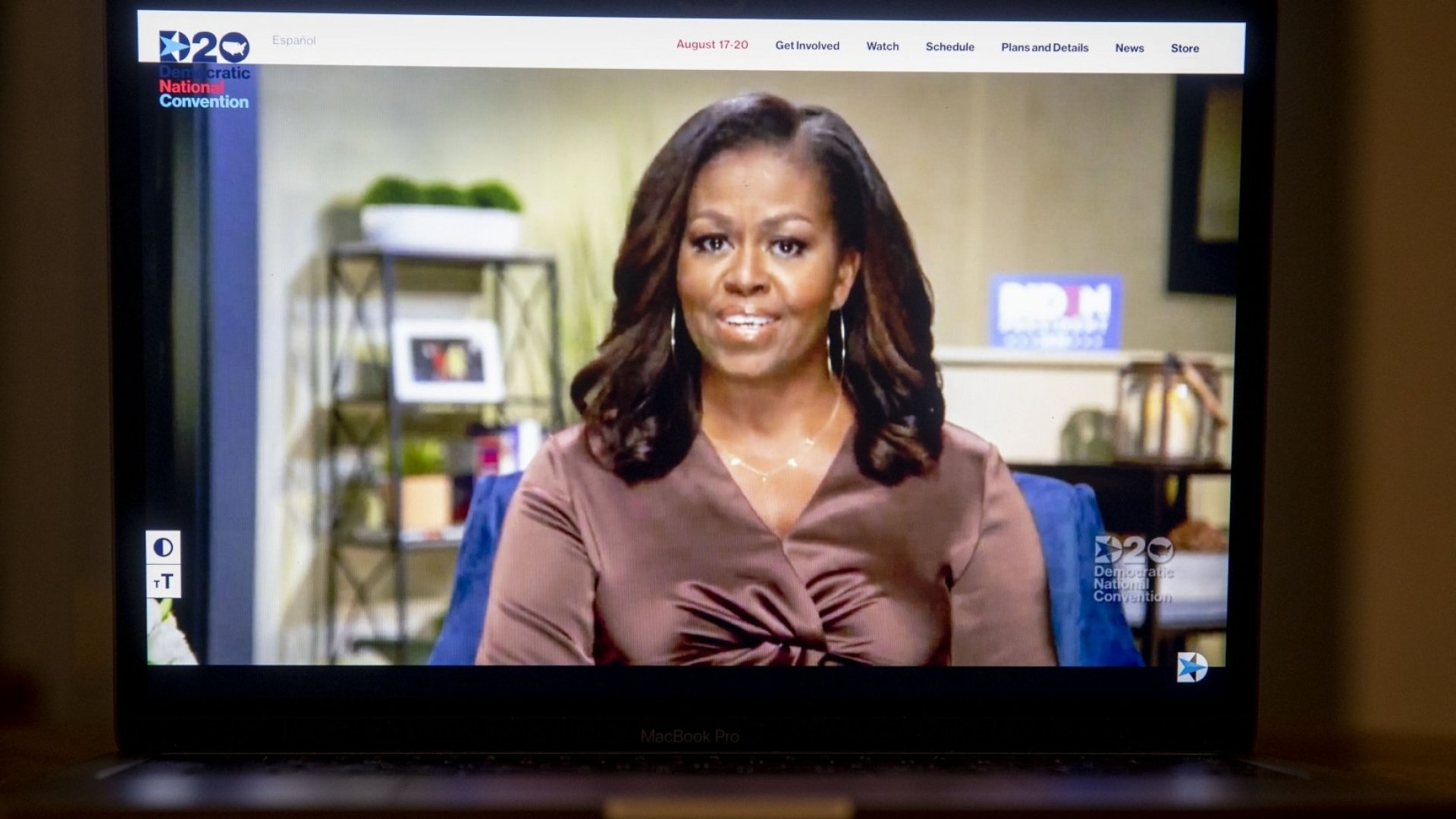 3 Public Speaking Skills You Can Learn From Michelle Obama's Speech