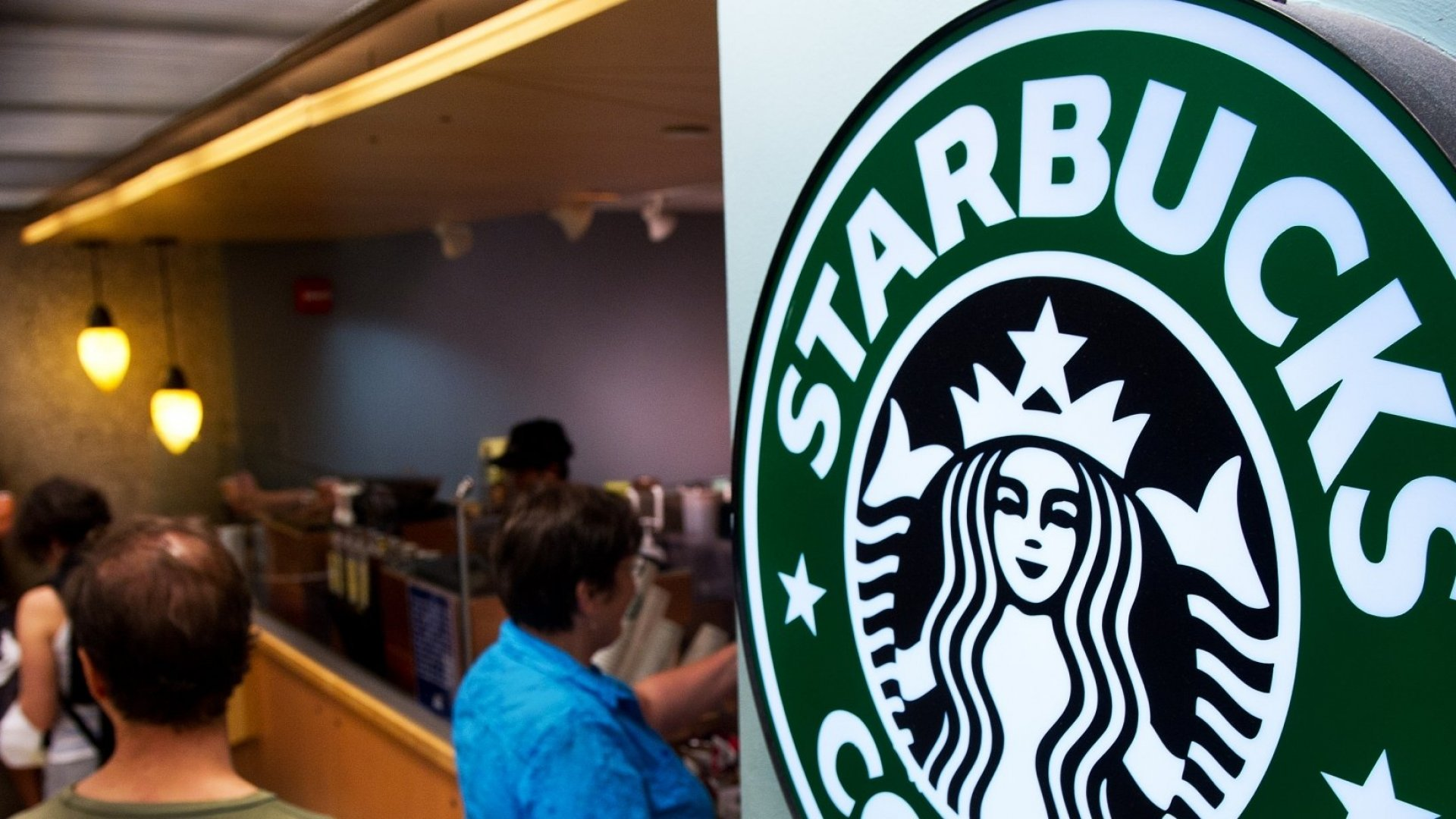 Starbucks Alienates Baristas in Its Effort to Improve Customer Service