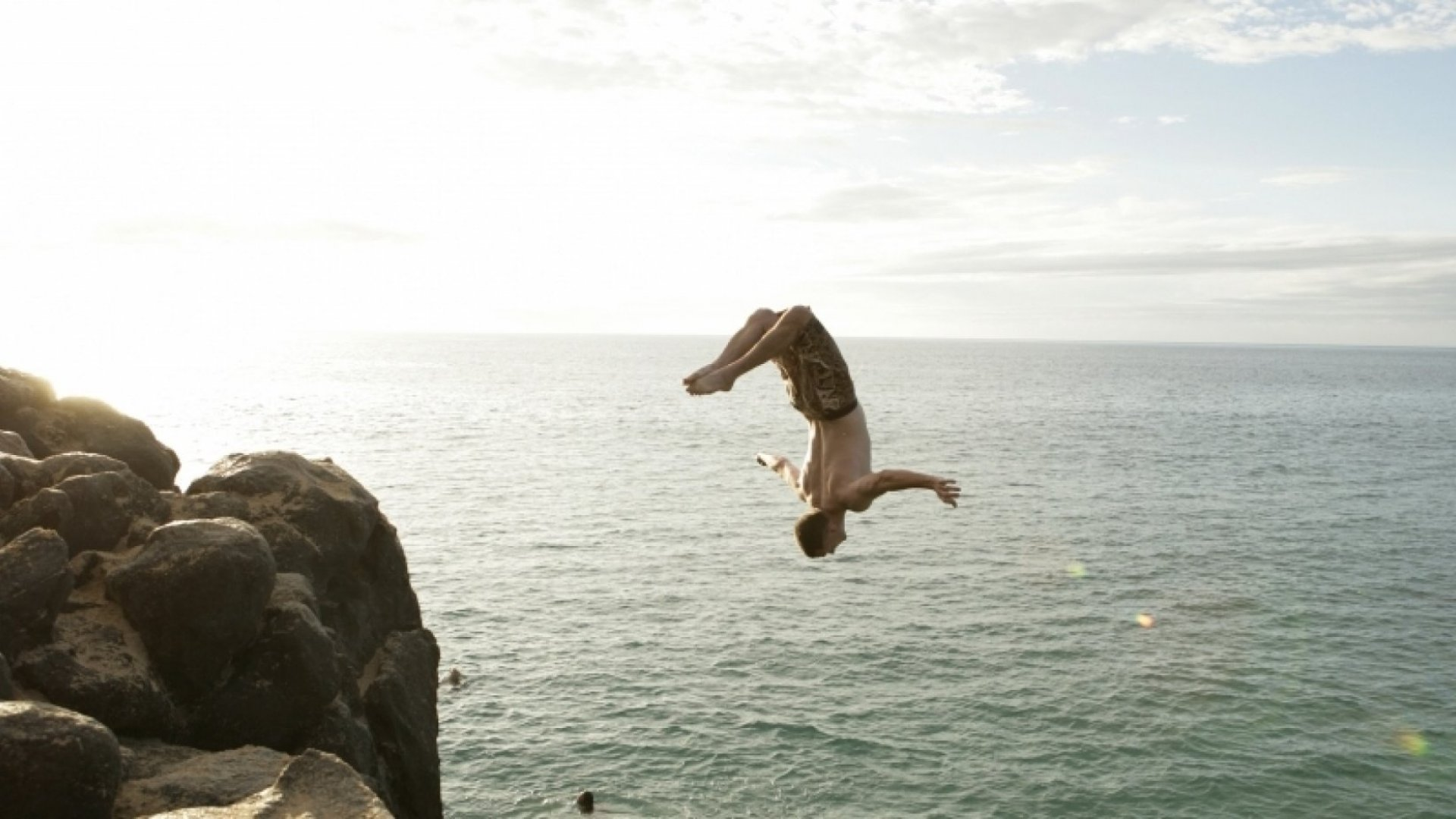 3 Questions to Ask Yourself Before Diving Into Becoming an Entrepreneur