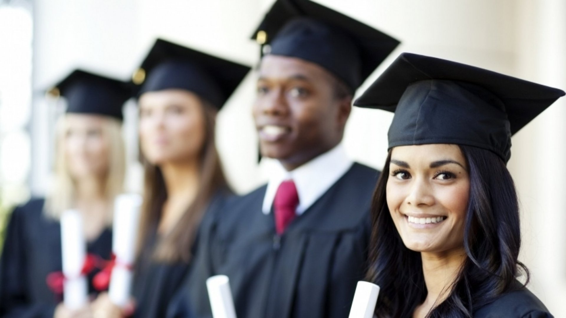 Why Entrepreneurs Still Need to Earn that College Degree