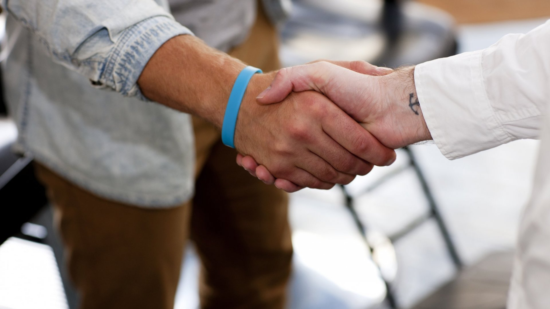 6 Ways to Make an Outstanding First Impression