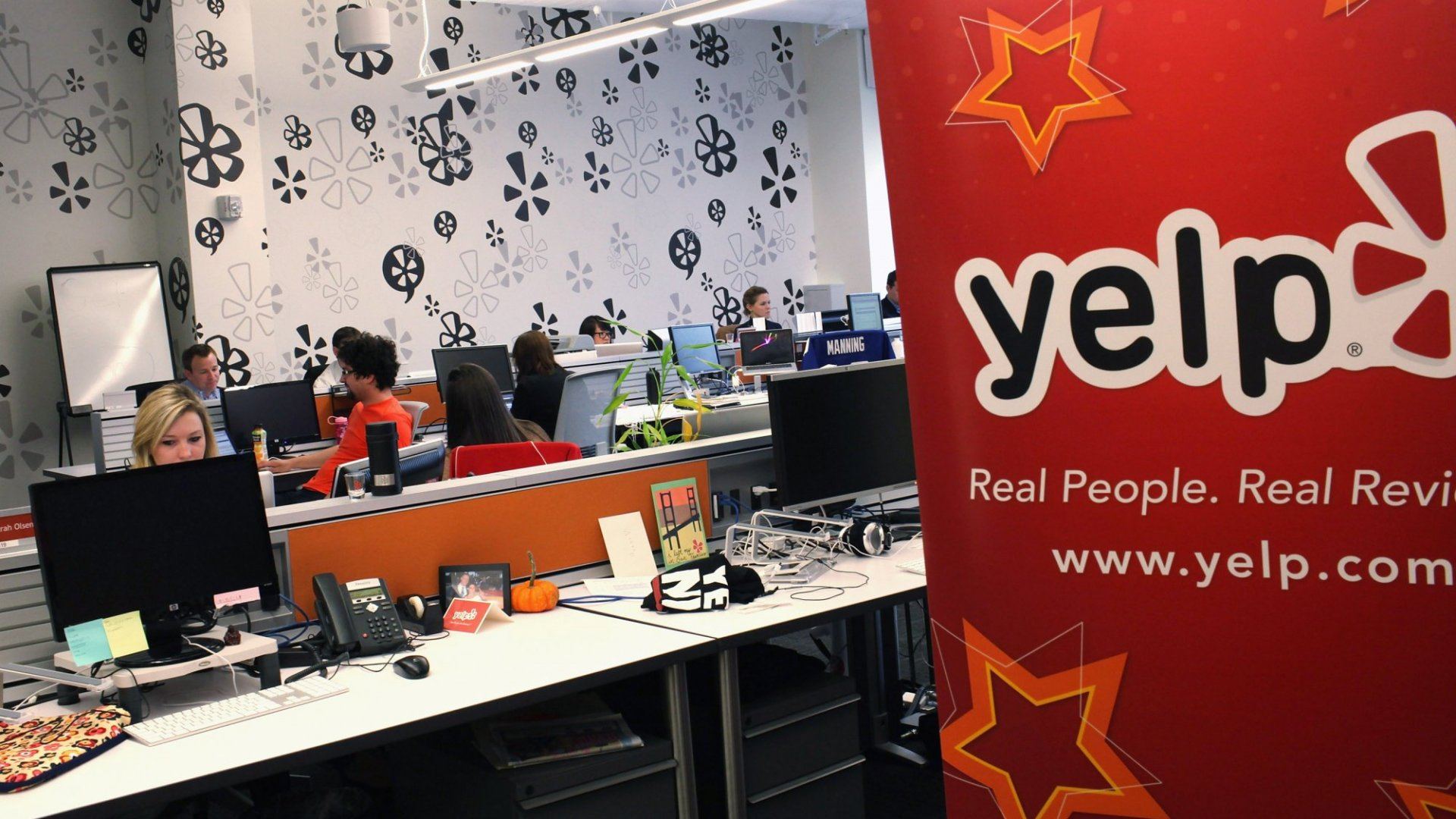 Another Disgruntled Yelp Employee Took to Medium to Complain. And Then This Happened