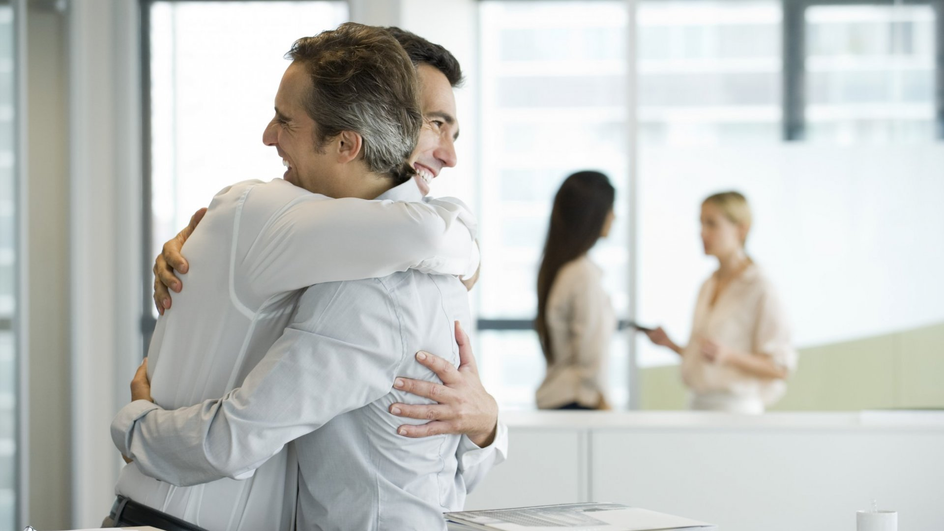 6 Powerful Ways to Thank Your Team for Being Awesome