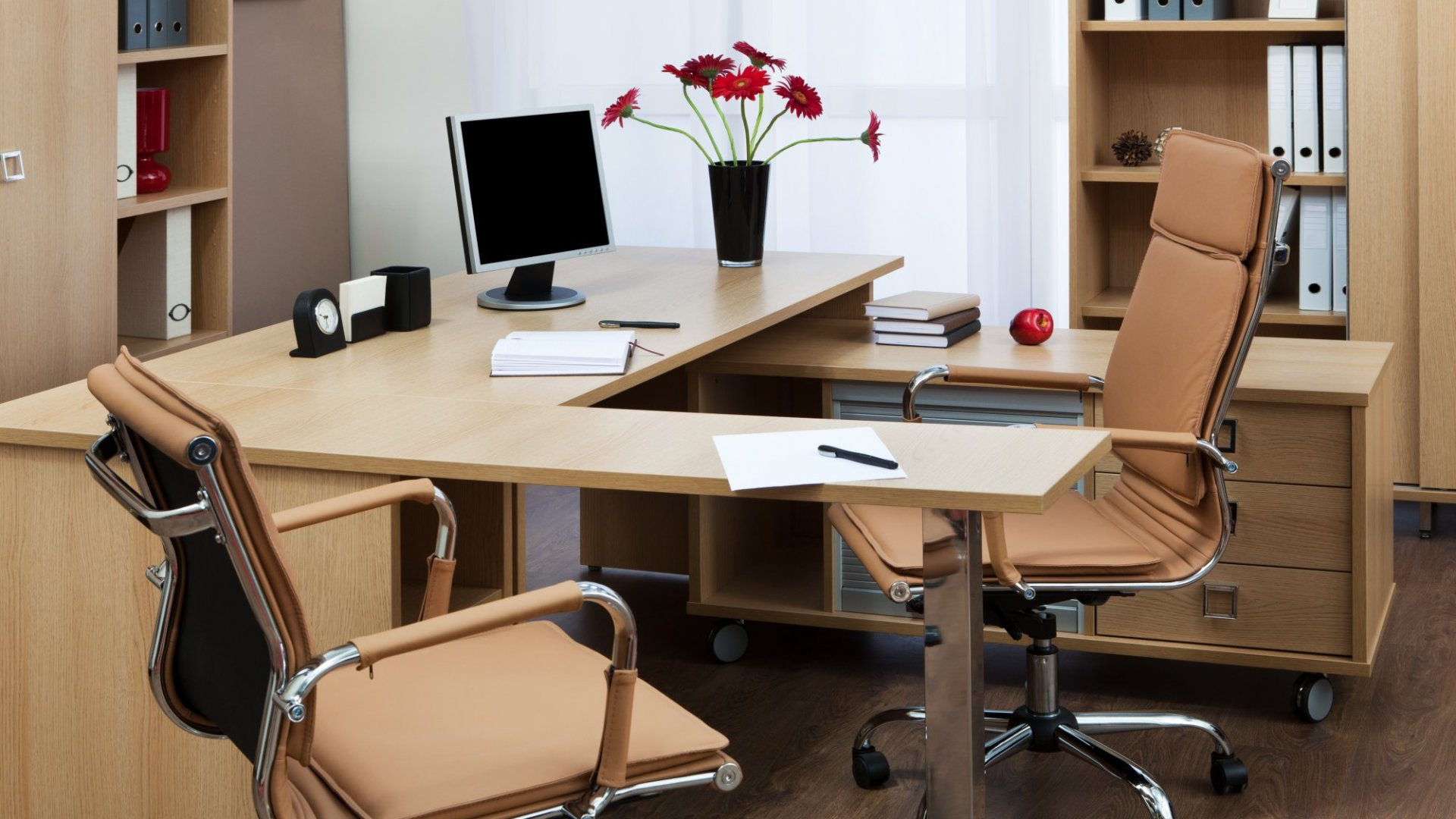 How to Declutter Your Office and Create the Ultimate Creativity Space
