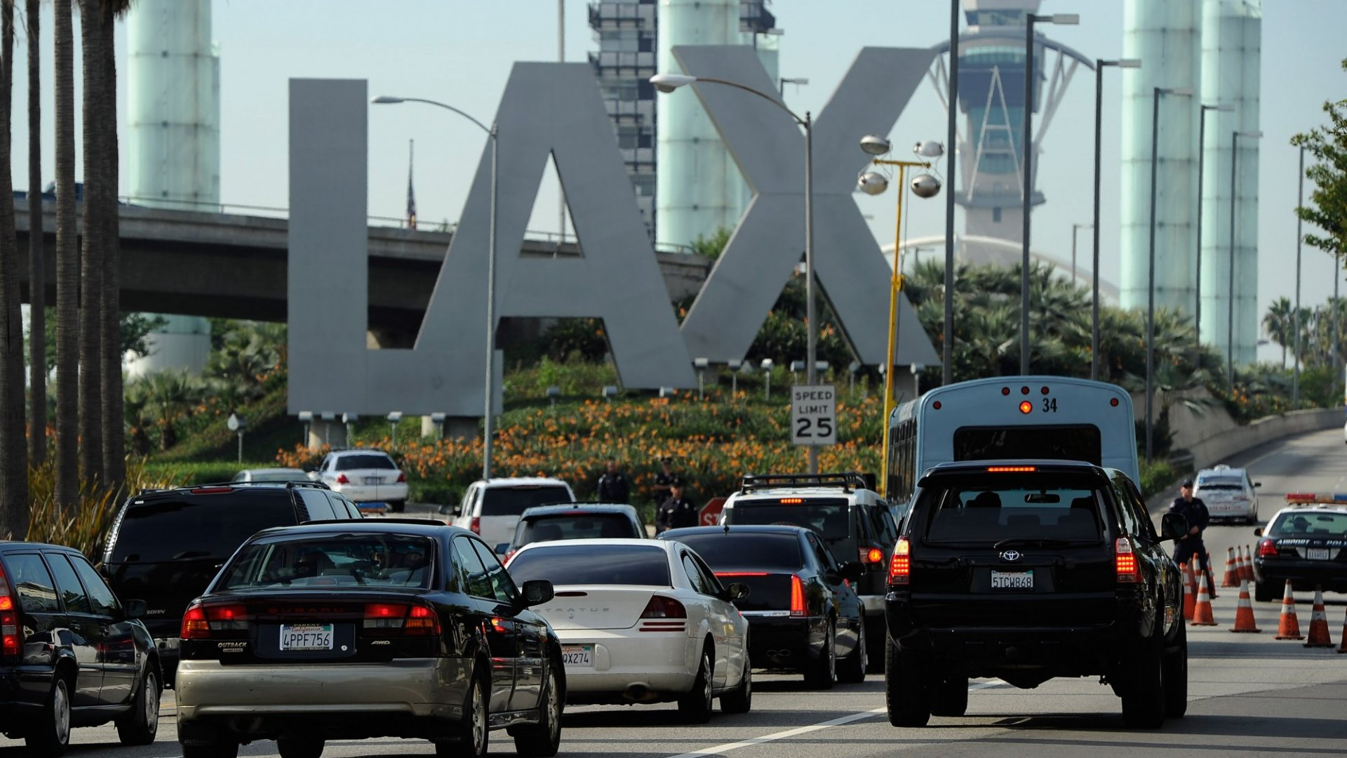 Uber, Lyft Can Pick Up at LAX, But There's a Catch