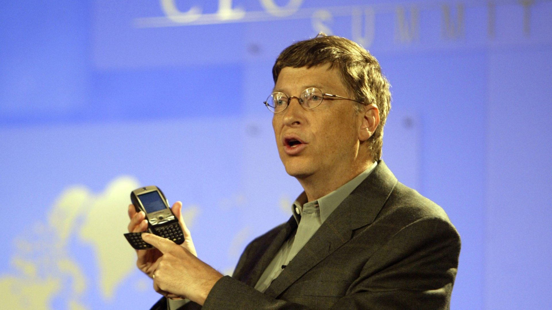 Bill Gates Says This Is the 'Safest' Age to Give a Child a Smartphone