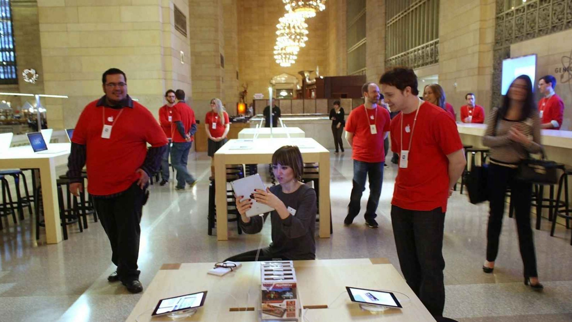Tech Giant Apple Honored for Helping Preserve Historic NYC Structures