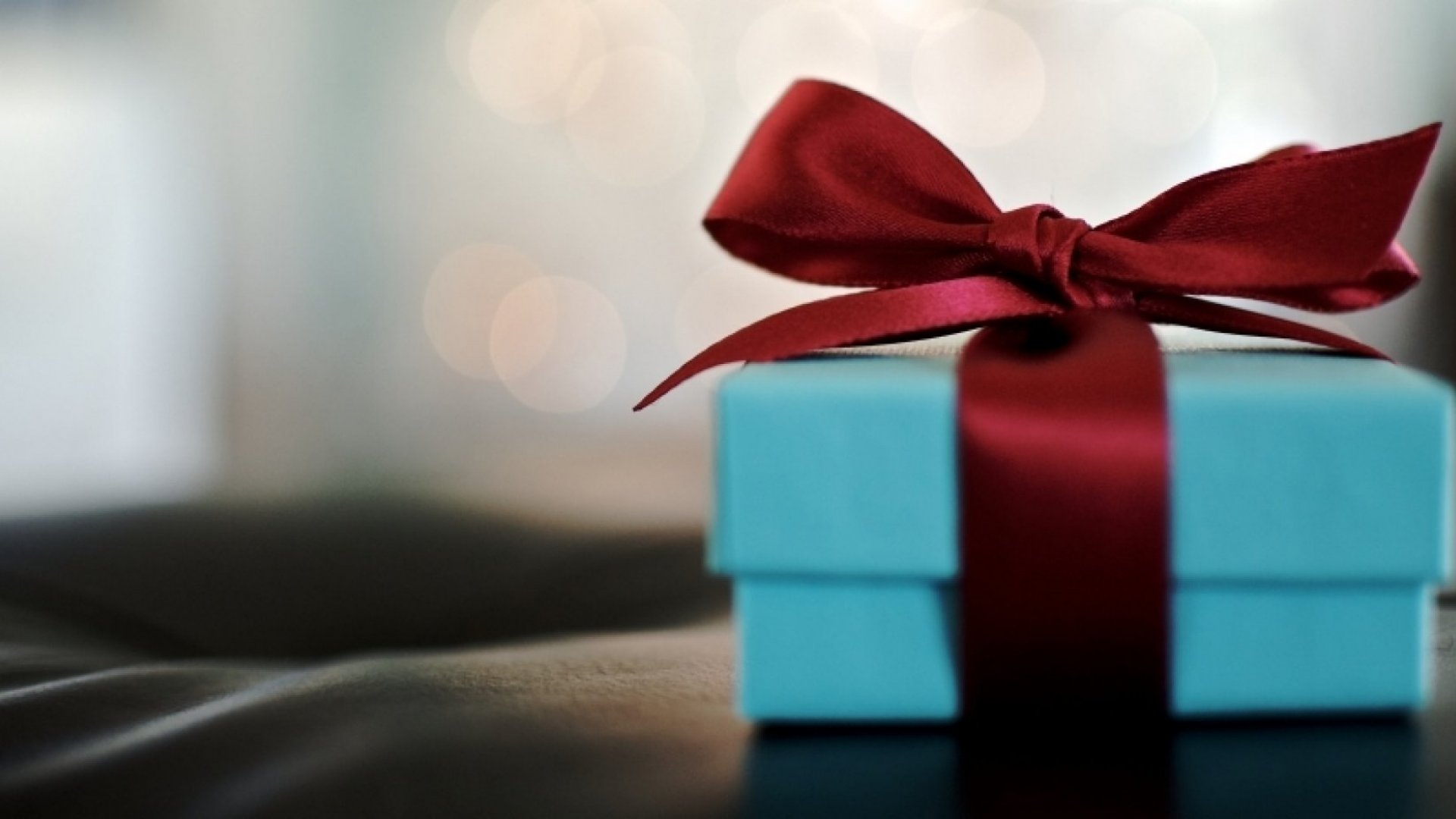 12 Things Great Employees Want for Christmas (It's Not Just Money)