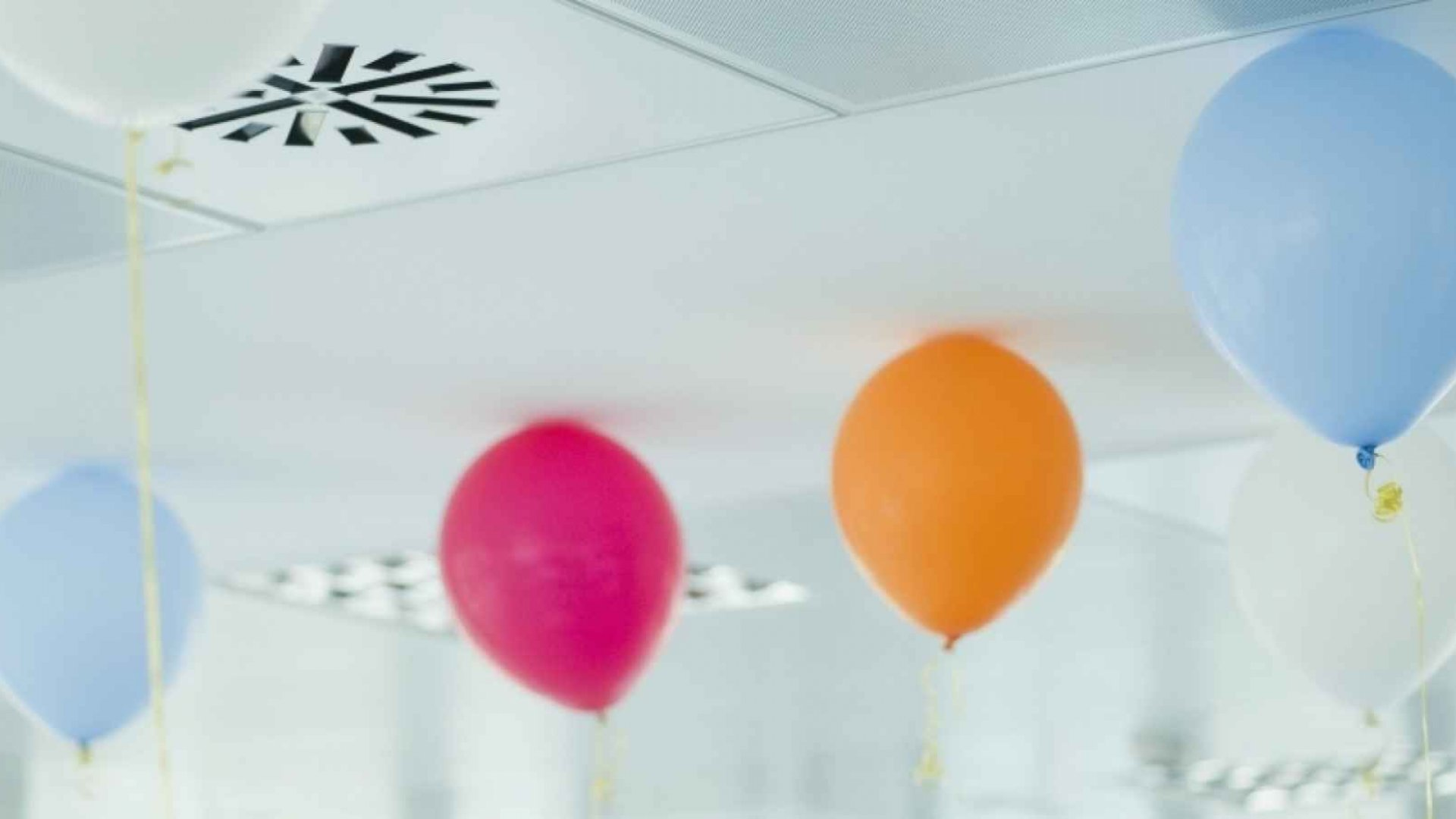 10 Ideas for Celebrating Your Employees' Personal Milestones