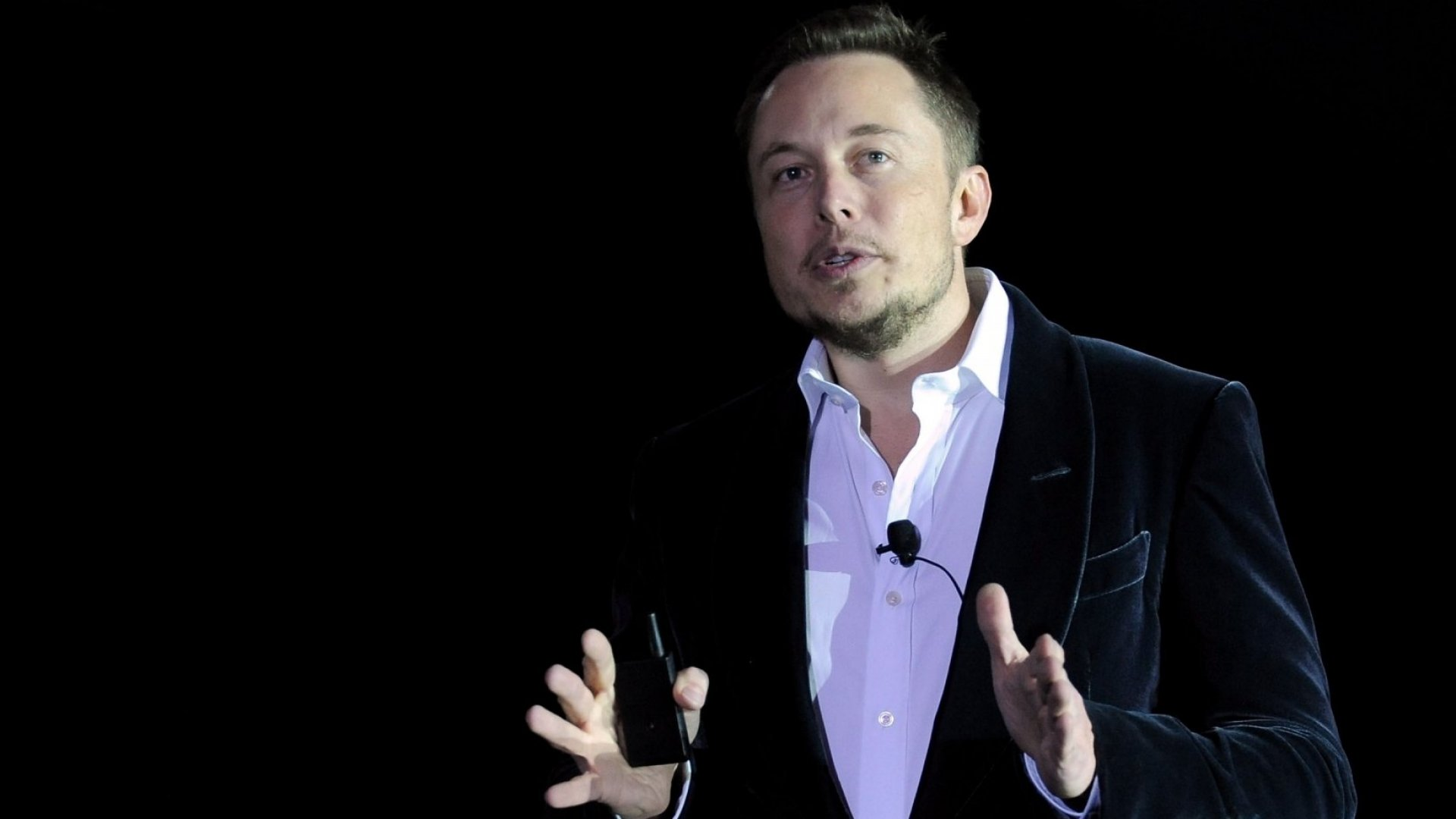 Tesla Is Taking a Risky New Approach to Customer Service