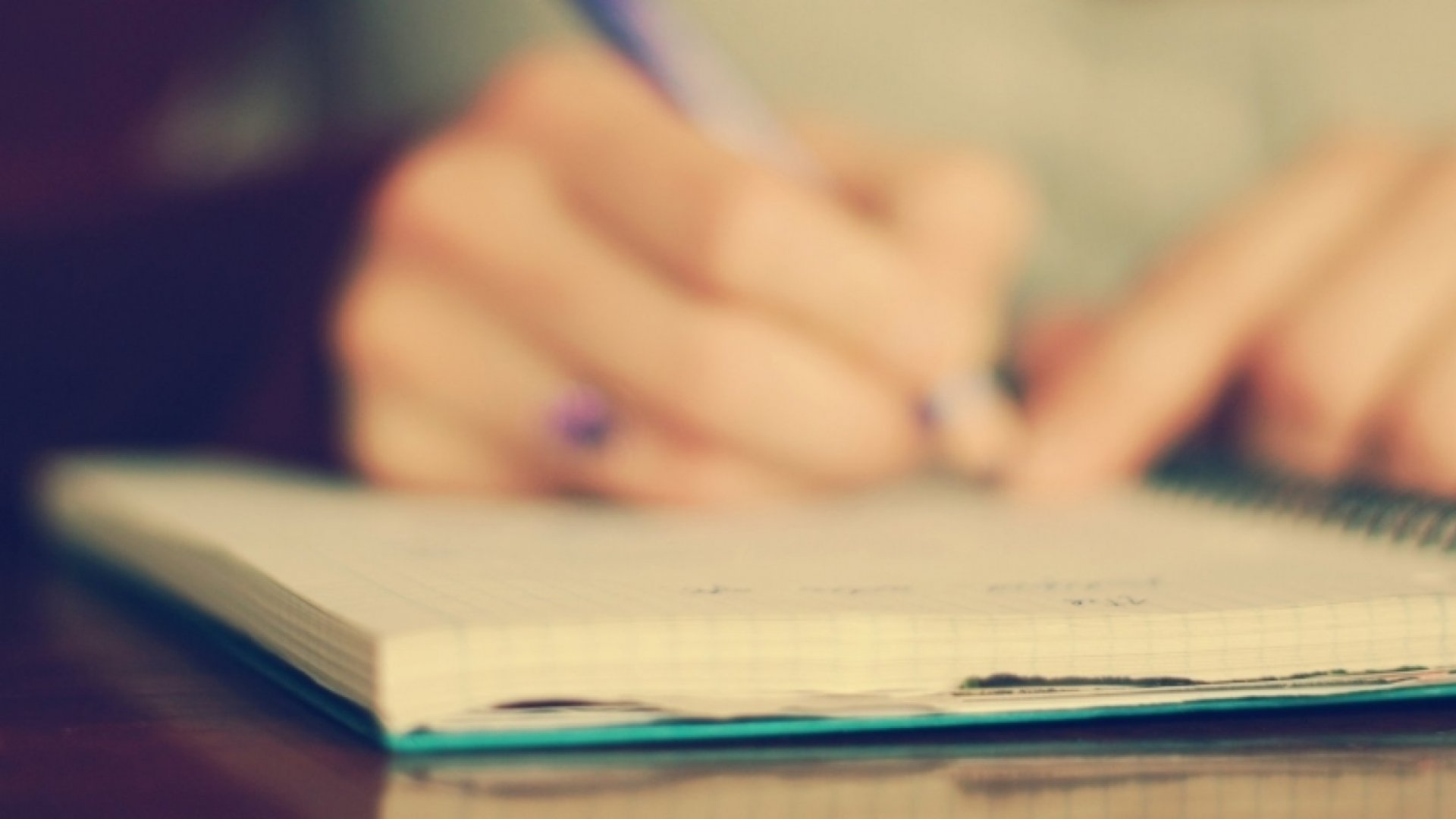 5 Ways Picking Up a Pen Can Make You Smarter