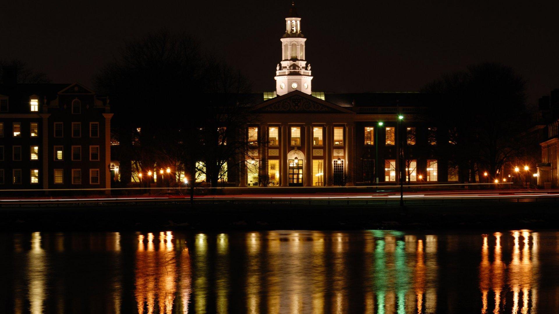 Harvard Genius Offers 4 Reasons Startups Can't Grow