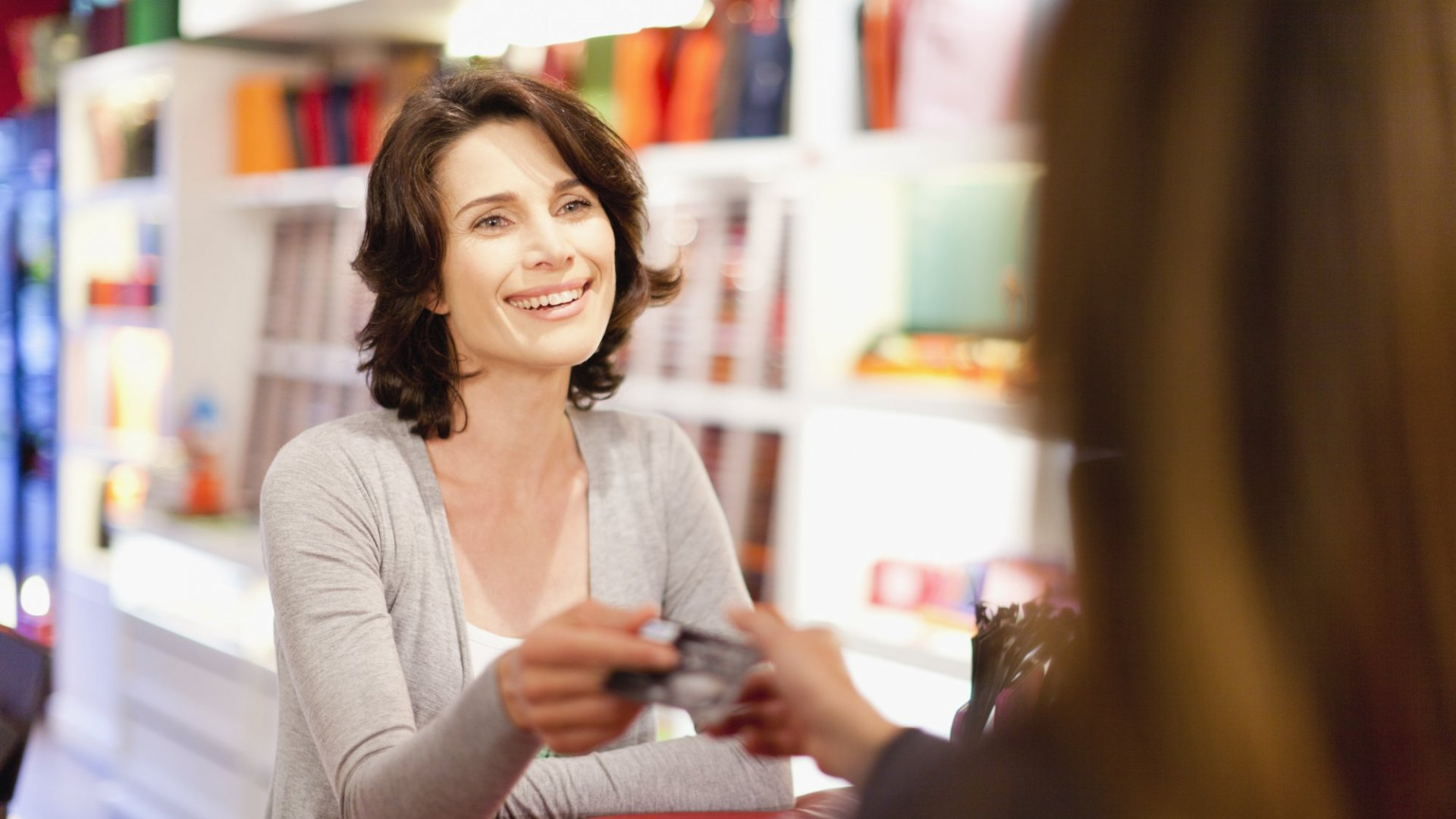 3 Psychology-Based Pricing Strategies That Won't Make Customers Dread Reaching for Their Wallet