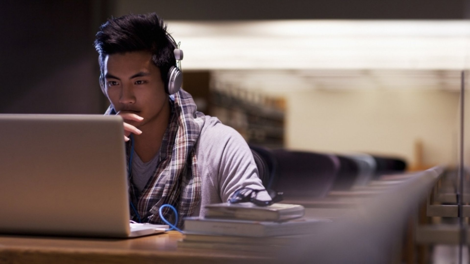 10 Reasons Why College Is the Best Time to Start Your Business