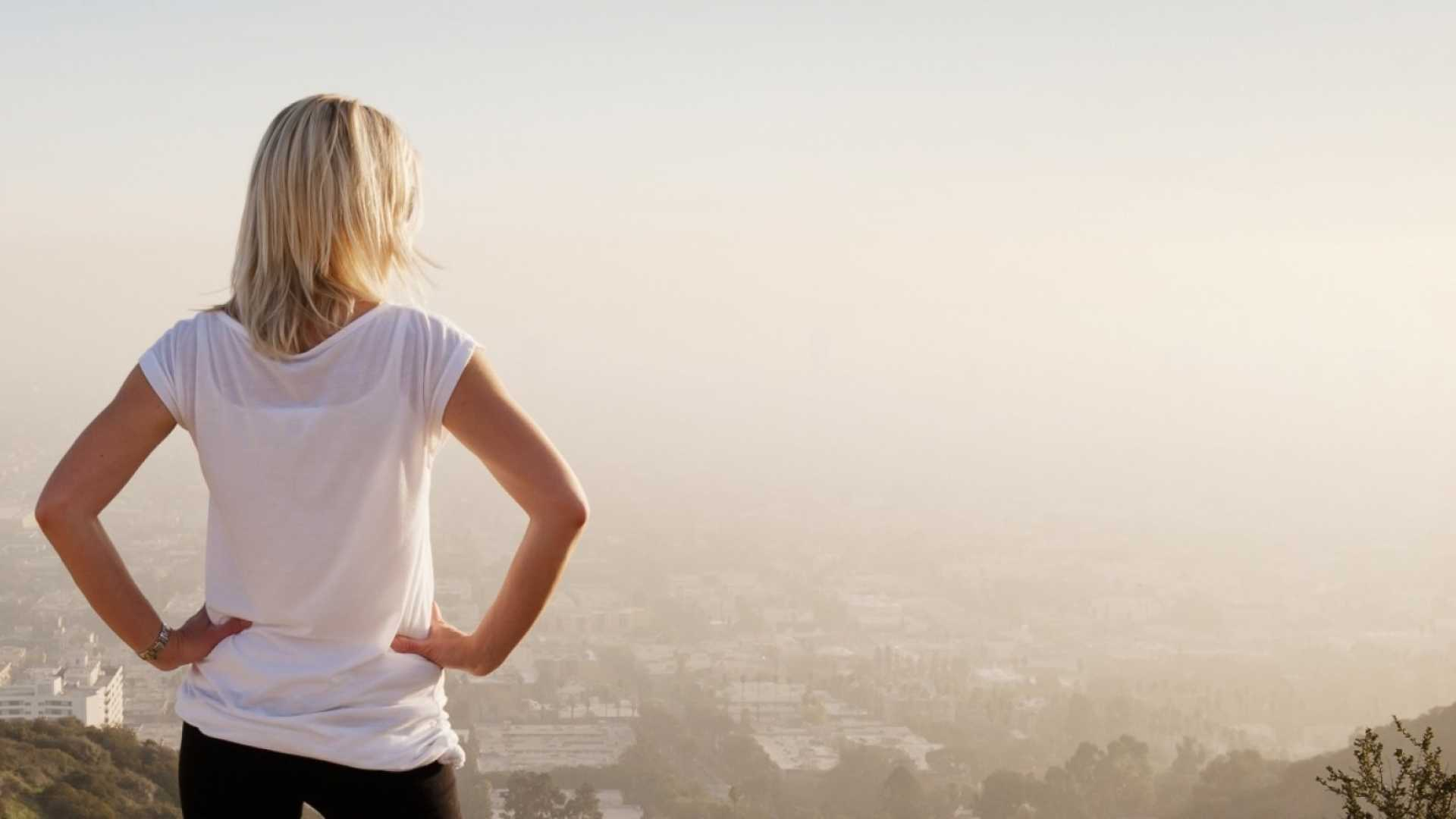 The Scientific Way to Increase Confidence in 2 Minutes