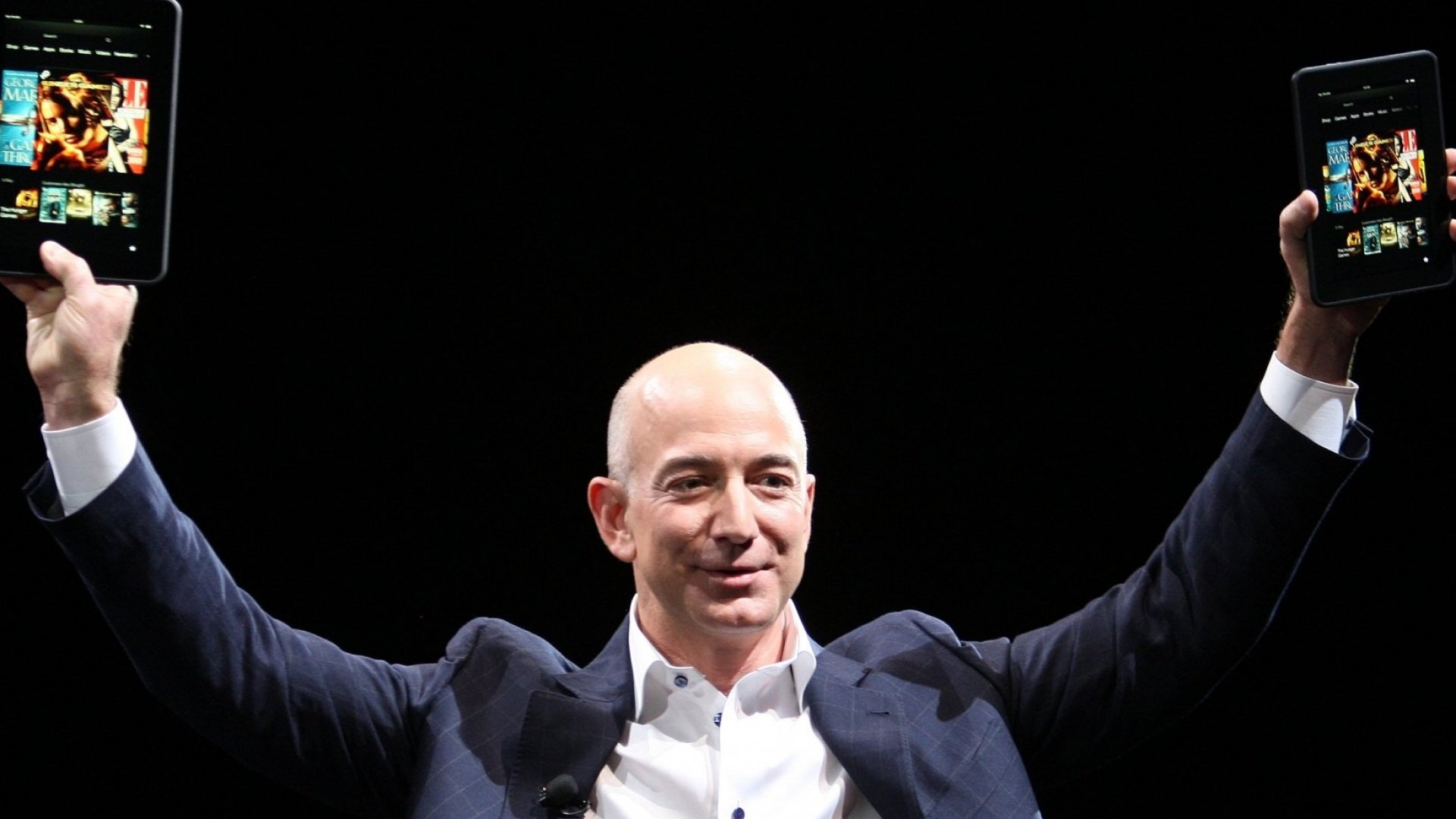 5 Reasons Why Jeff Bezos's Amazon Is Opening Retail Stores (When Everyone Else Is Closing Them)