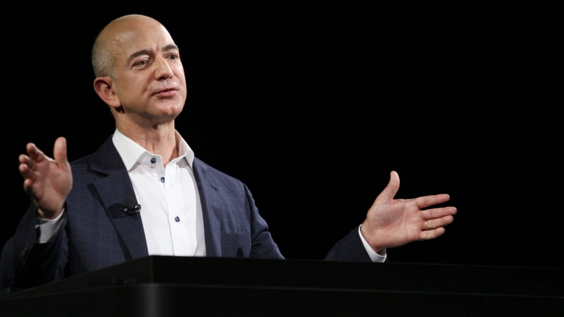 Amazon Founder Jeff Bezos Explains Why He Sends Single Character Emails Inc Com