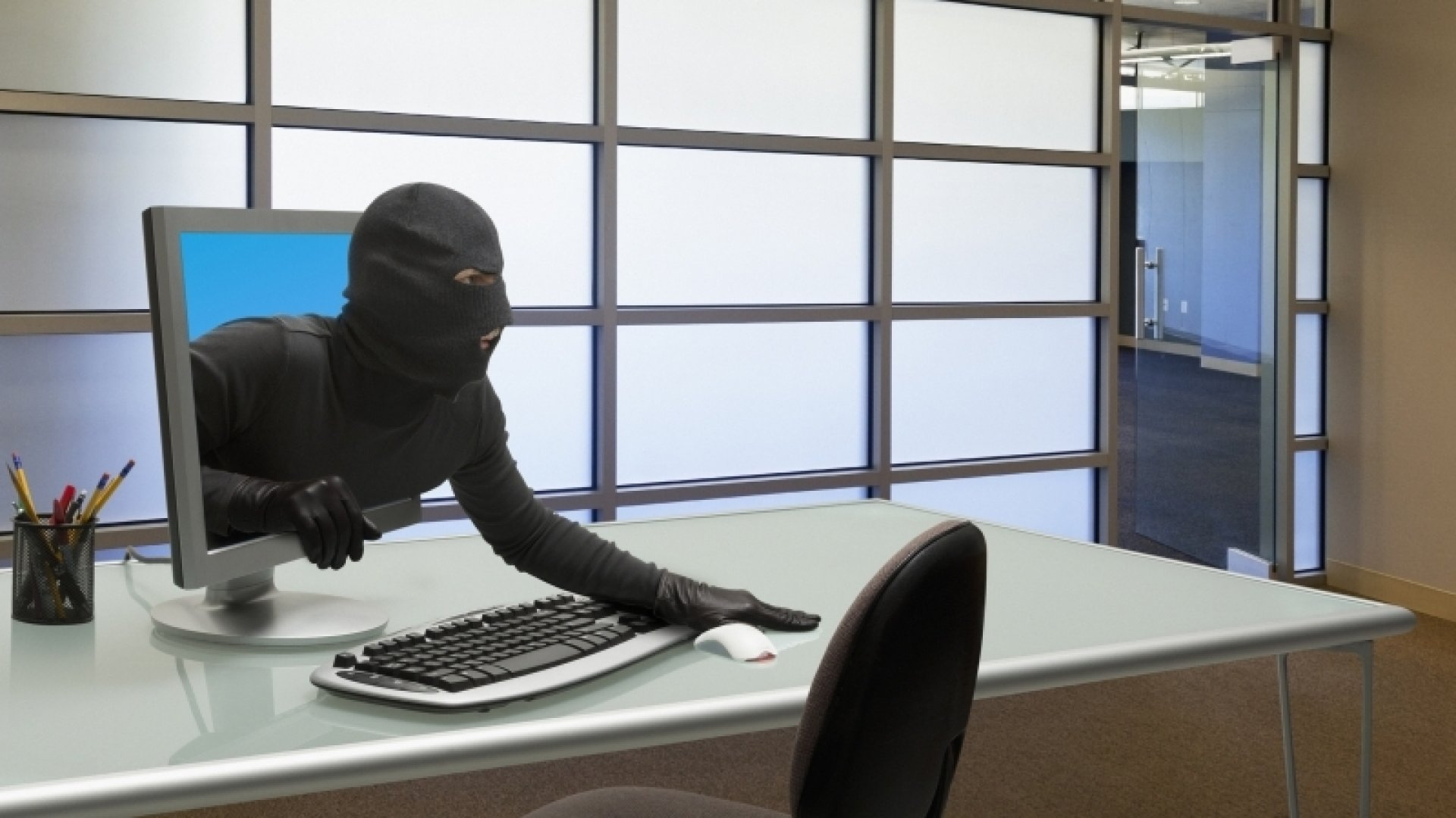 3 Common Cybercrimes and 6 Ways to Solve Them Now