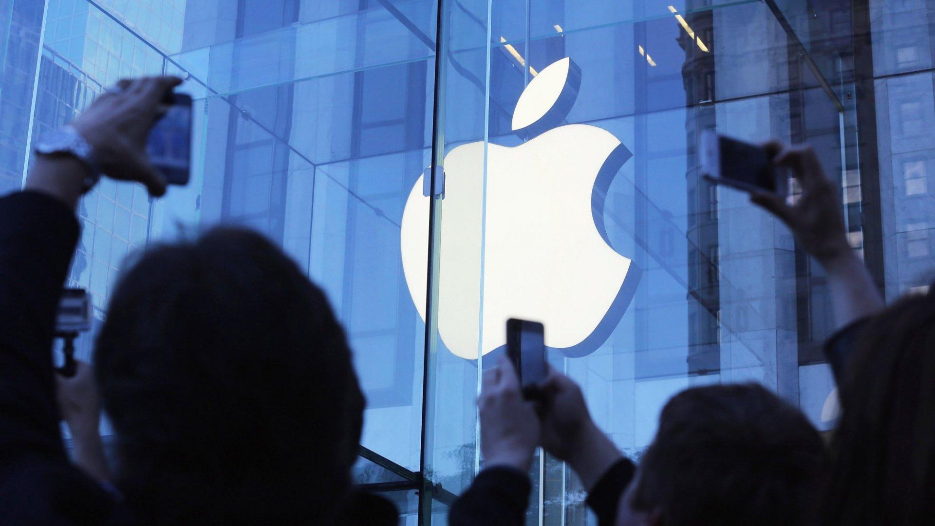Apple Scrambles to Find Its Next Big Hit