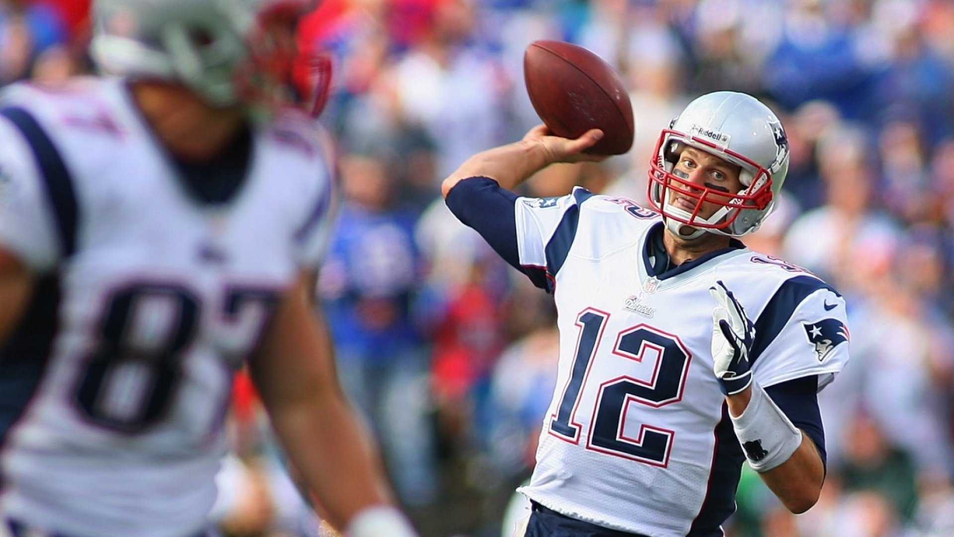 What Tom Brady Does When He Meets New Patriot Players for the First Time Is What Most Famous People Never Do