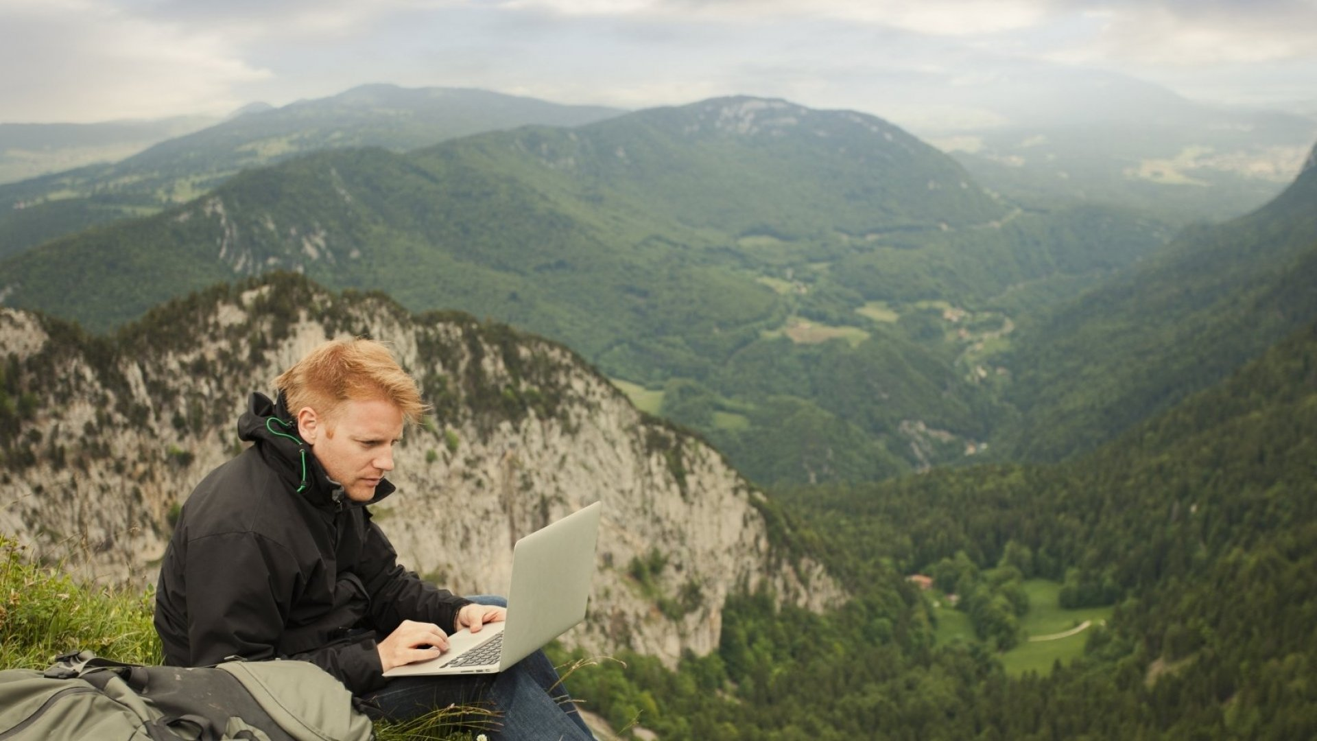 7 Workspace Strategies for Remote Workers