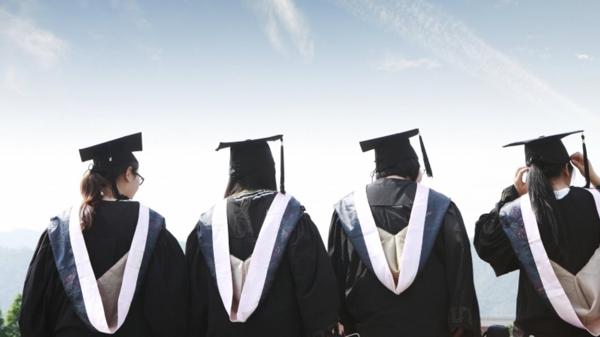 Why a 2015 Grad Should Be Your Next Hire