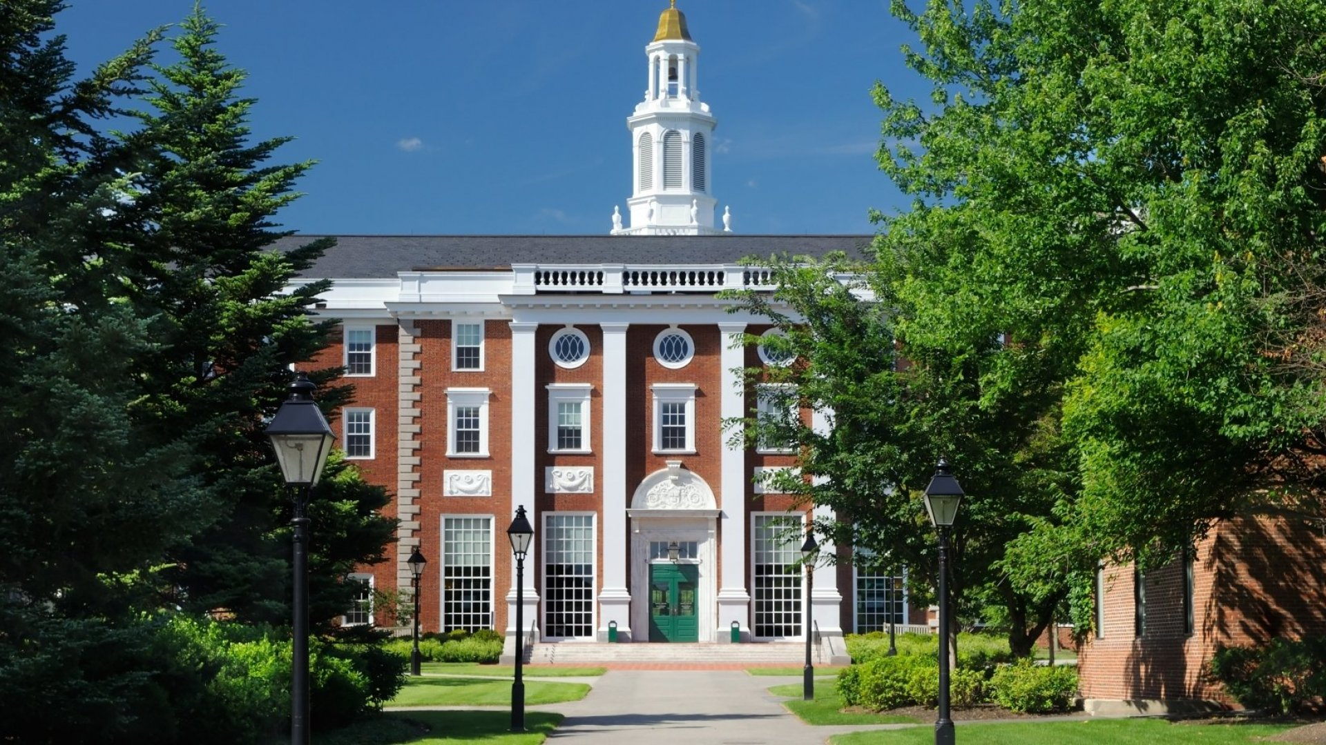 Want an MBA From One of America's Top Schools? Make Sure You Do This When You Apply