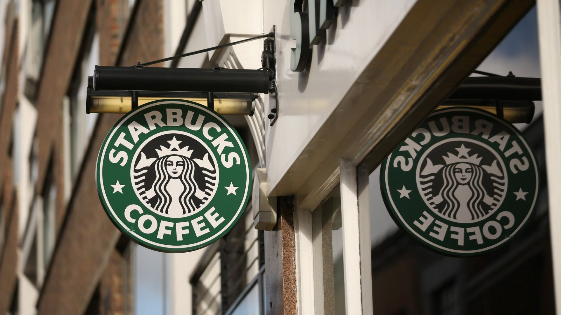 Why Starbucks Wins the Media By 'Hating Jesus' and Loving Veterans