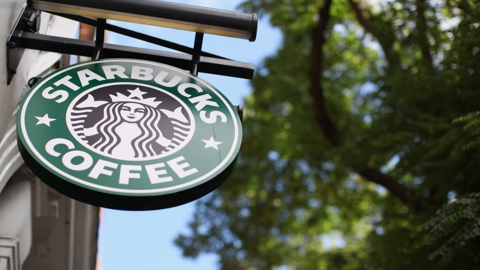 Starbucks Just Sent an Amazing Message to the Deaf Community
