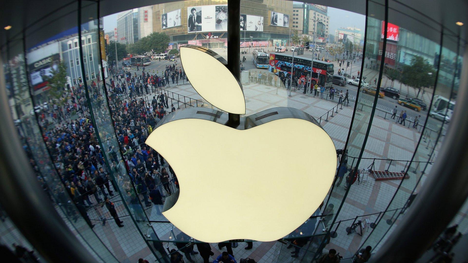 Memo to Tim Cook: Make Apple Great Again