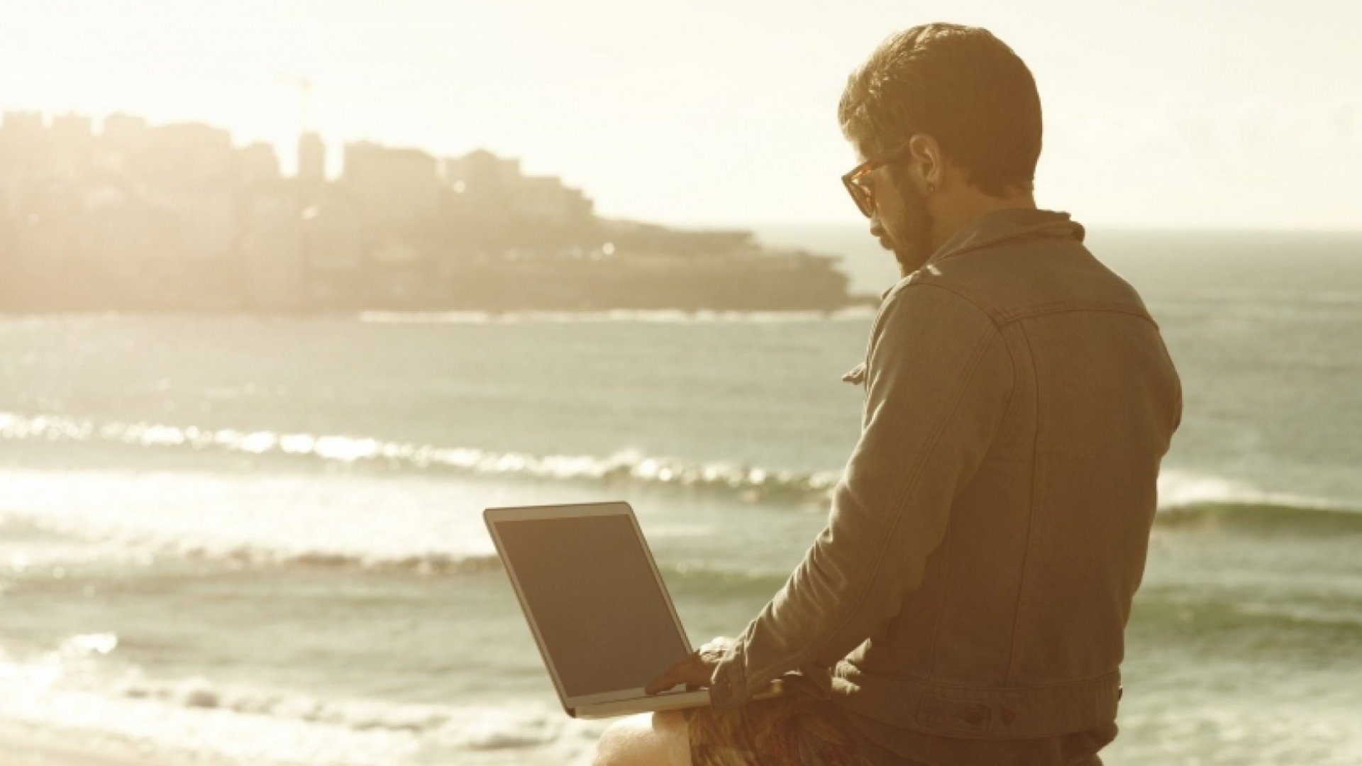 How to Create a Portable Business for a Lifetime of Travel