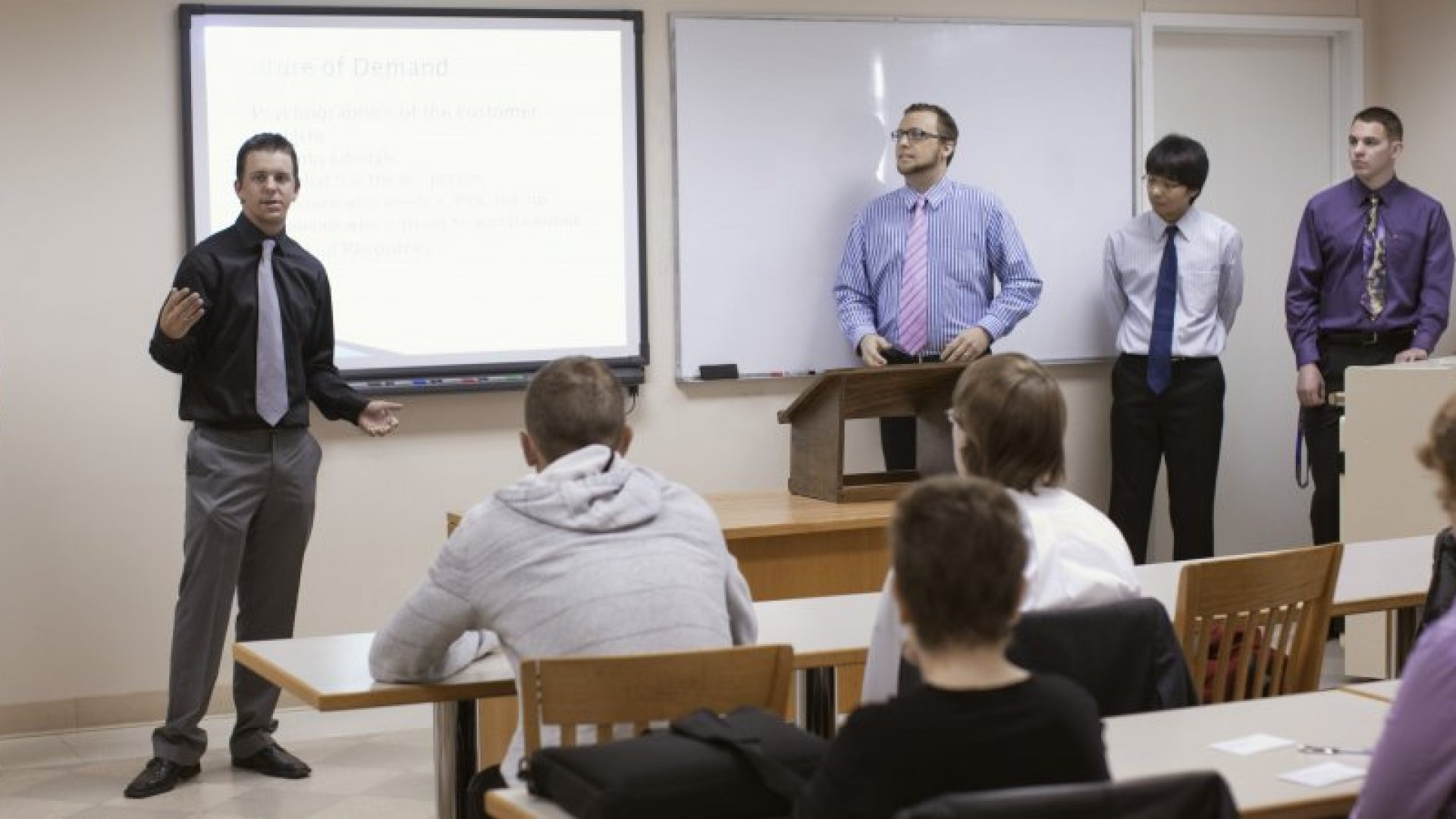 6 Tips for Creating an Effective Management Training Program