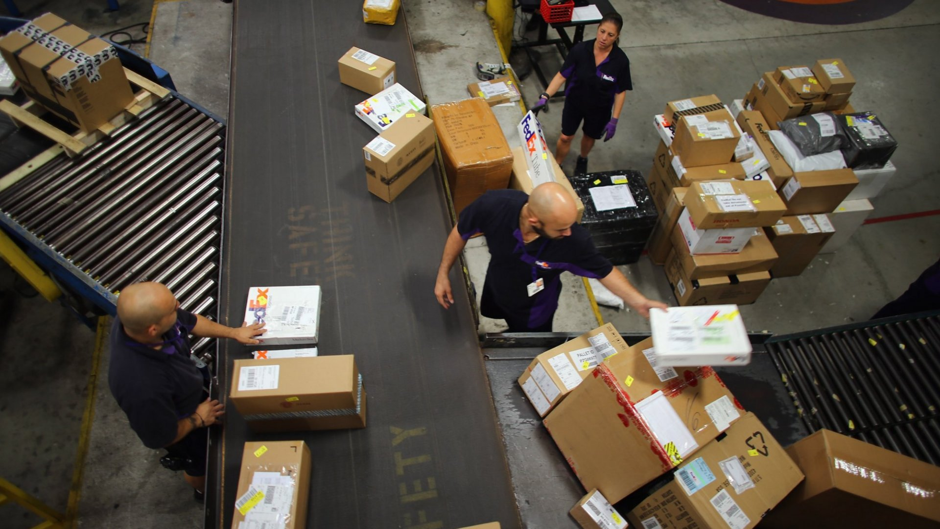 FedEx Is Ending Its Ground-Delivery Contract With Amazon