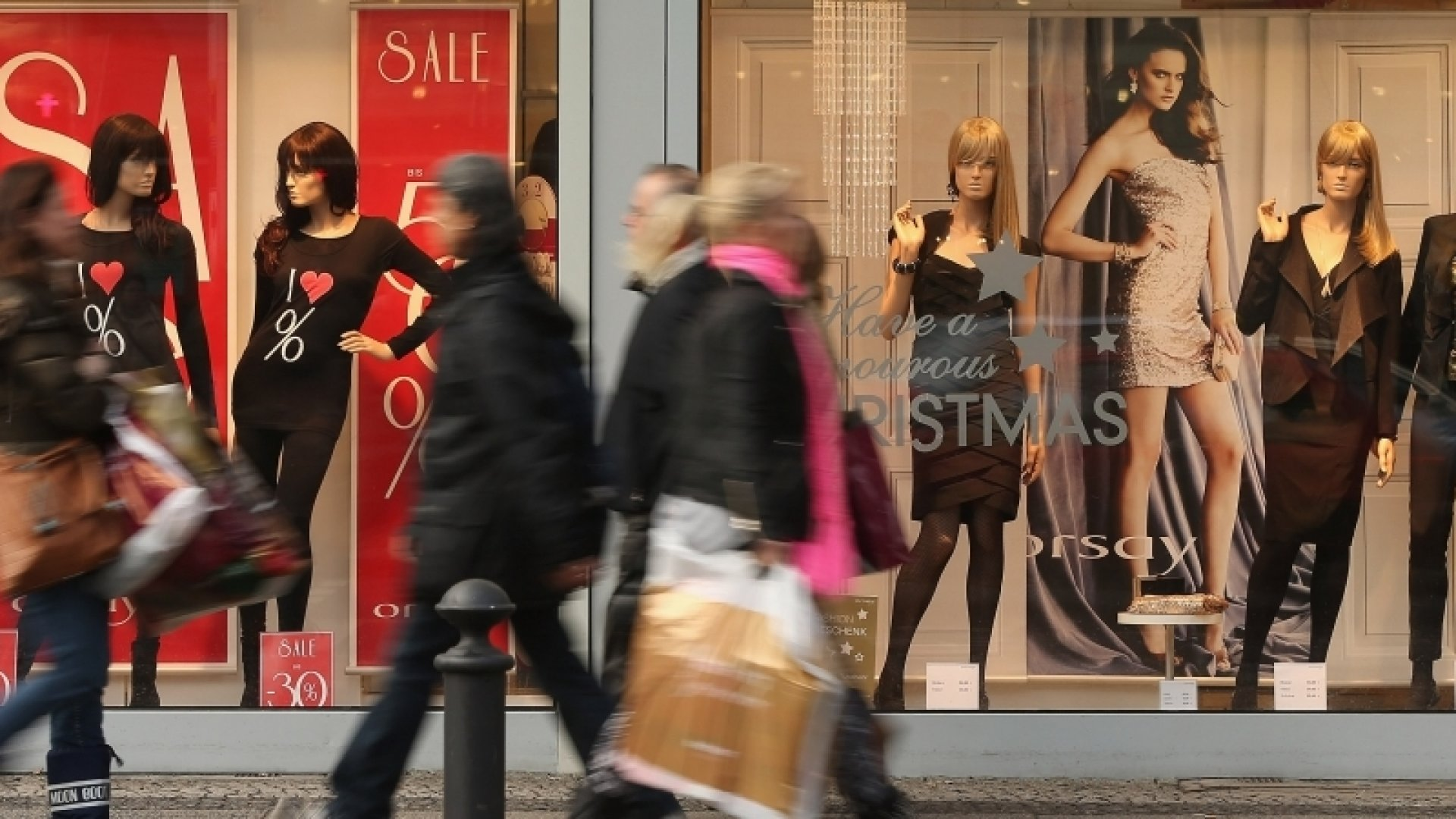 5 Tips For Retailers Looking To Rise Above The Competition This Holiday Season