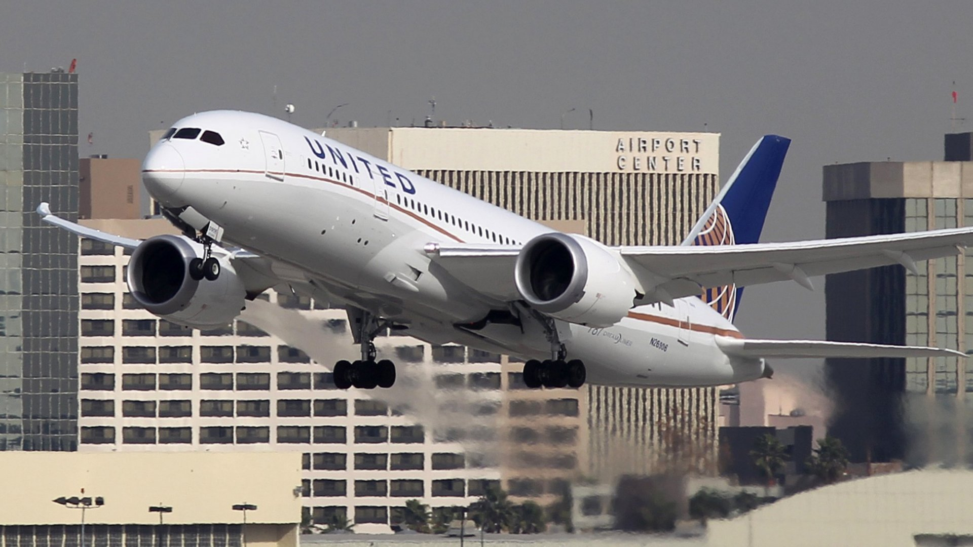 United Airlines Has a 1 Million Mile Contest. The Entries Are Quite Beautiful (It Ends Tuesday)