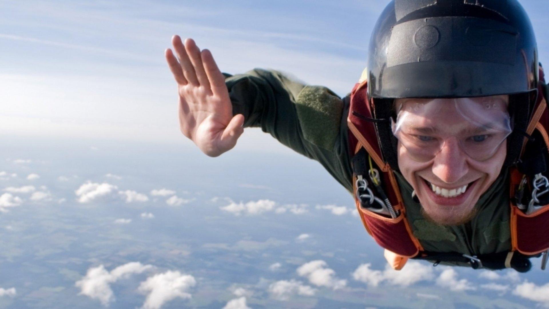 4 Ways Entrepreneurship Is Exactly Like Skydiving