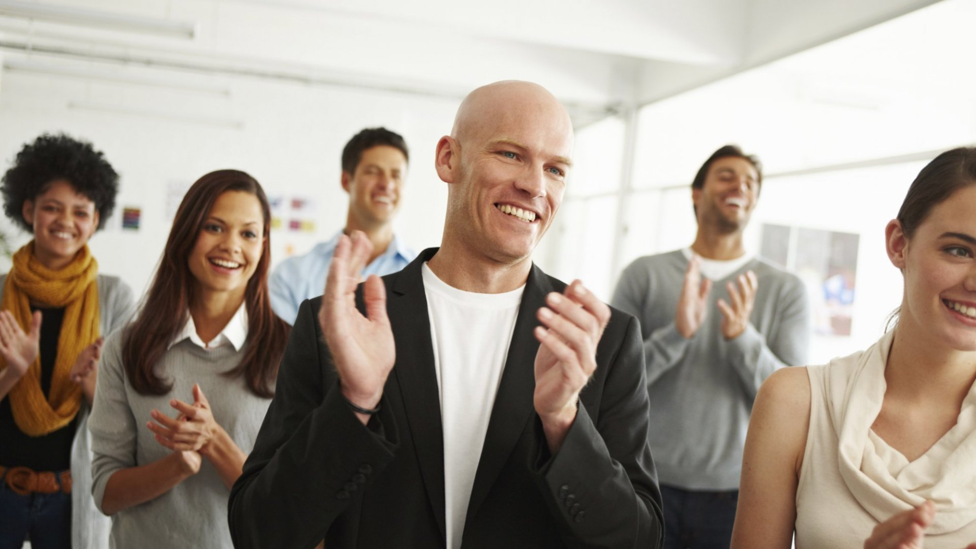 Employees Need Praise to Be Creative (but not From You)