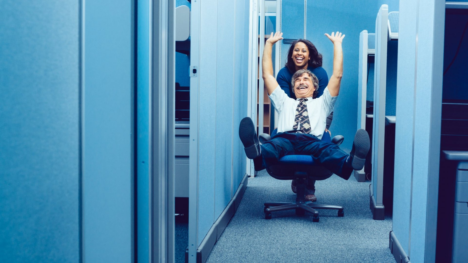 How Managers Can Avoid Getting Too Close to Their Employees