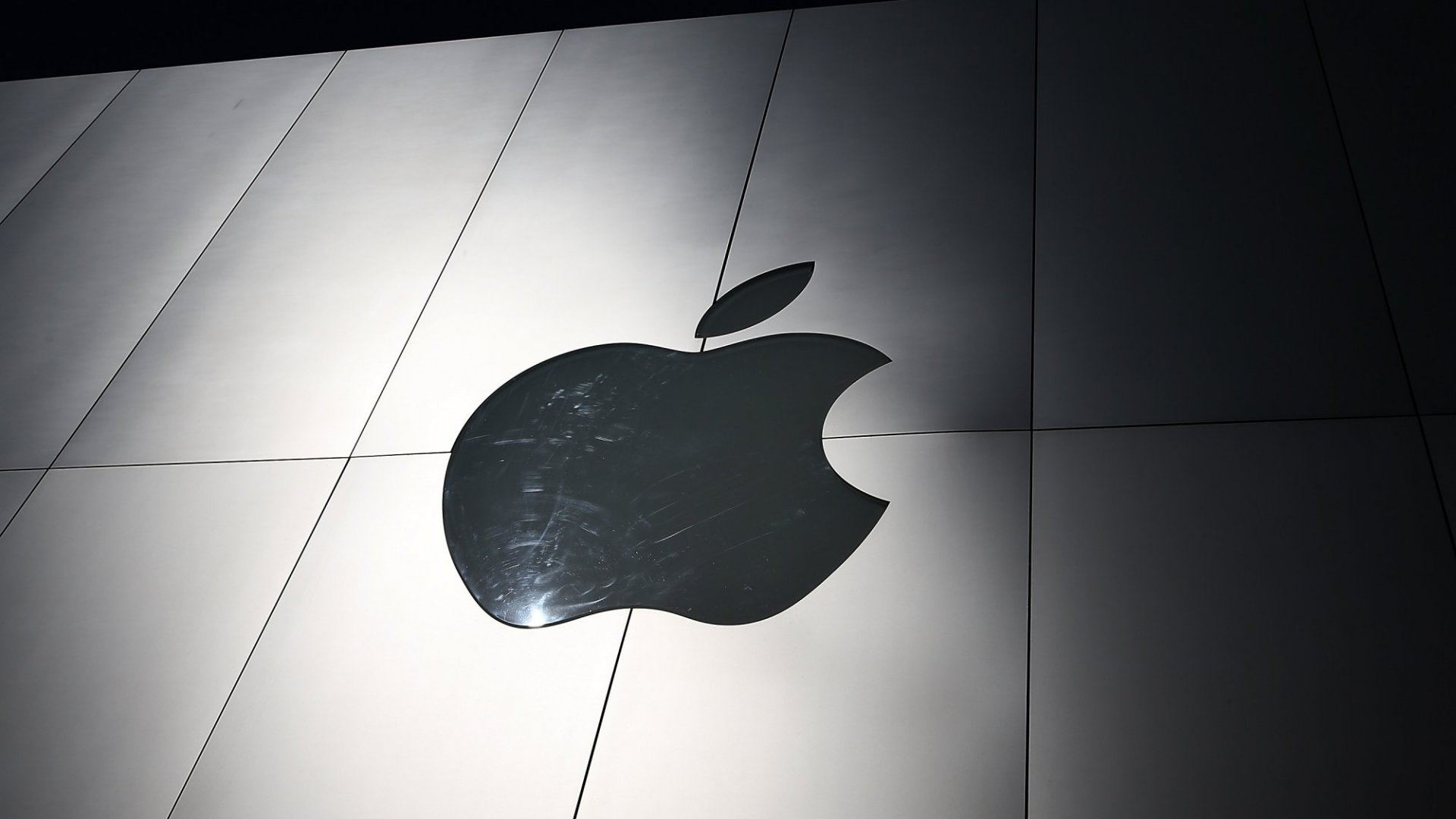 Watch Out, Tesla: Apple Is Building an Electric Car