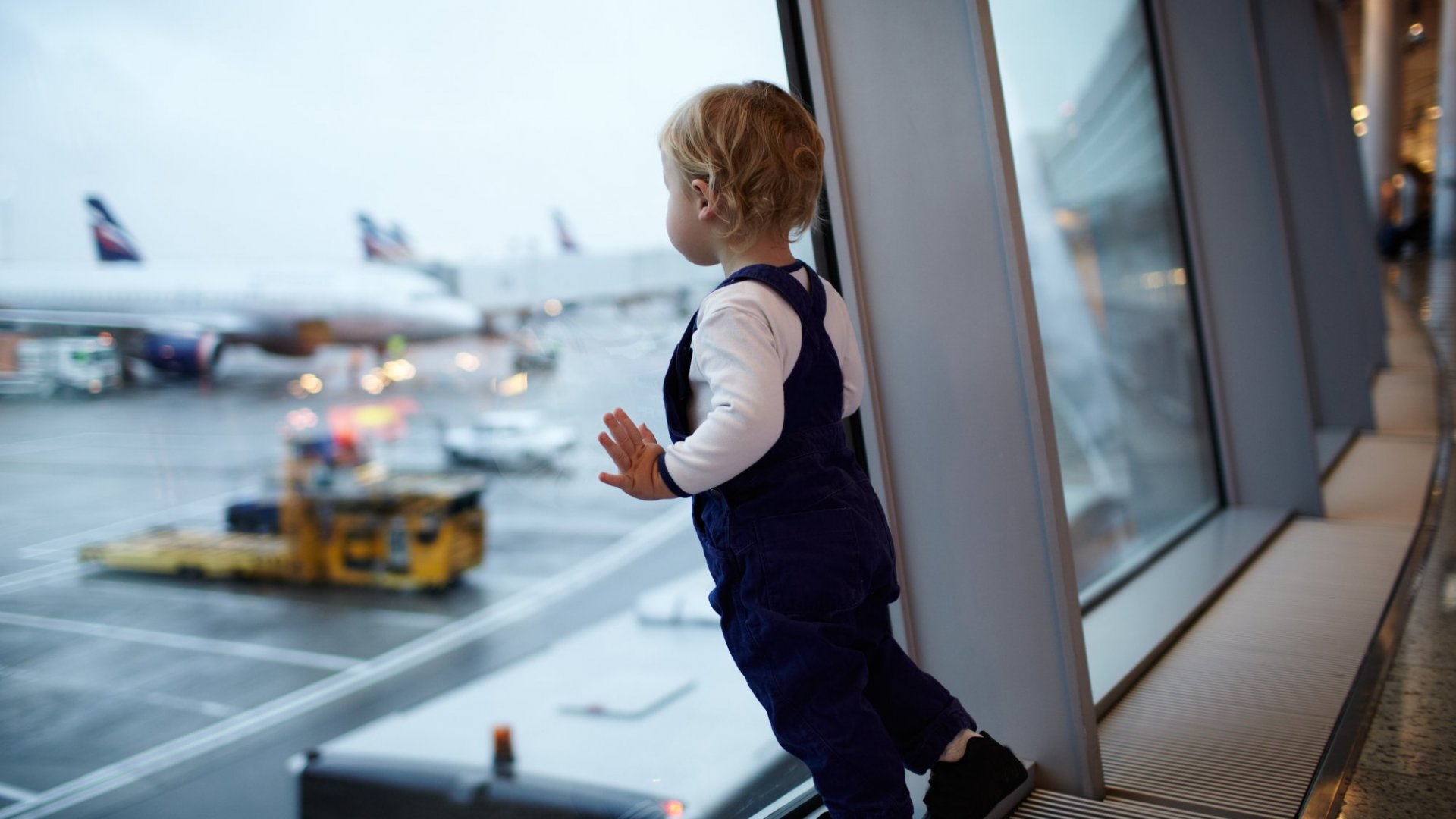 10 Crucial Rules I Learned About Flying With a Toddler on United and JetBlue
