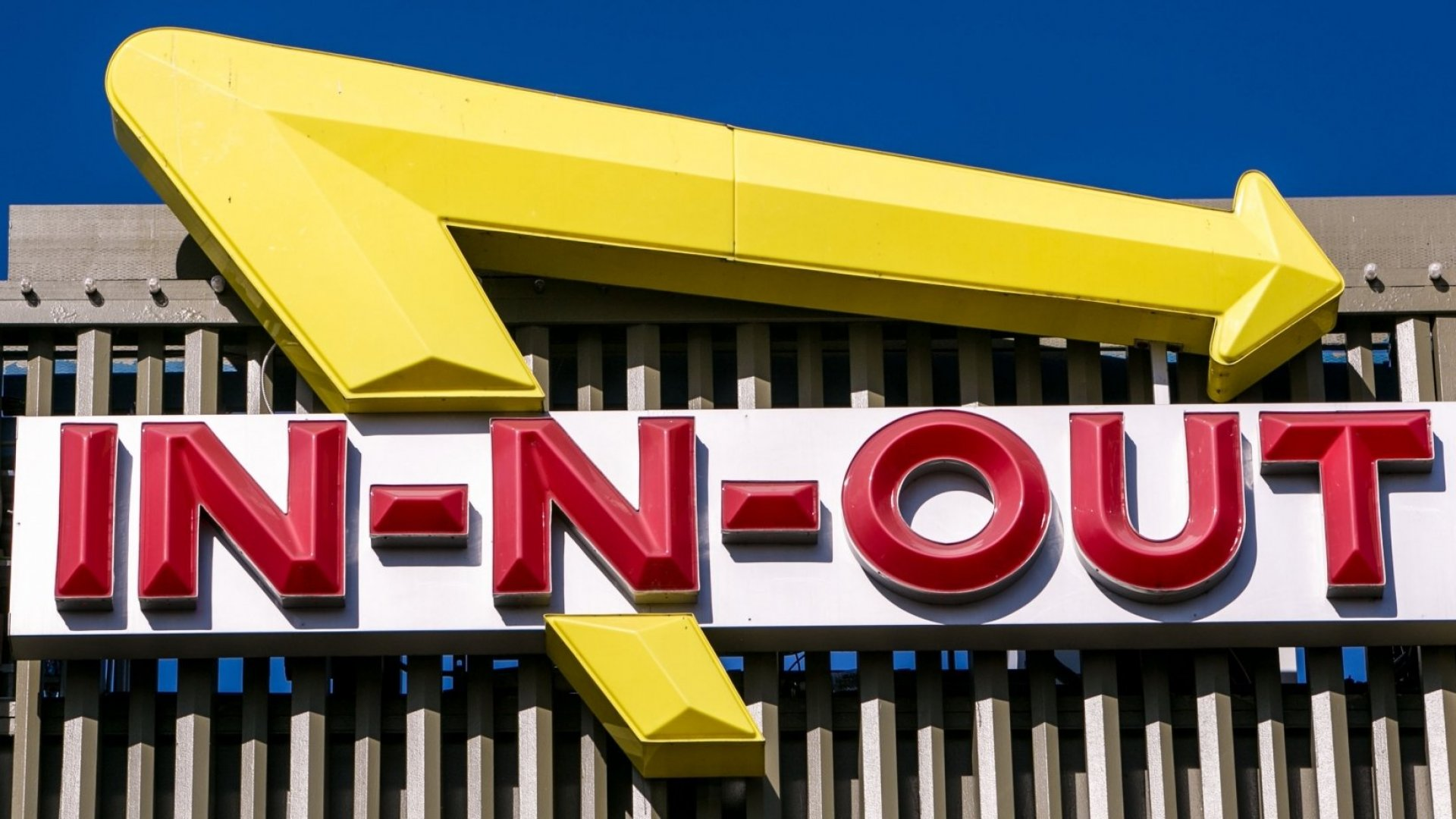 Fake CEO Disrupts In-N-Out Burger and the Company Files a Lawsuit